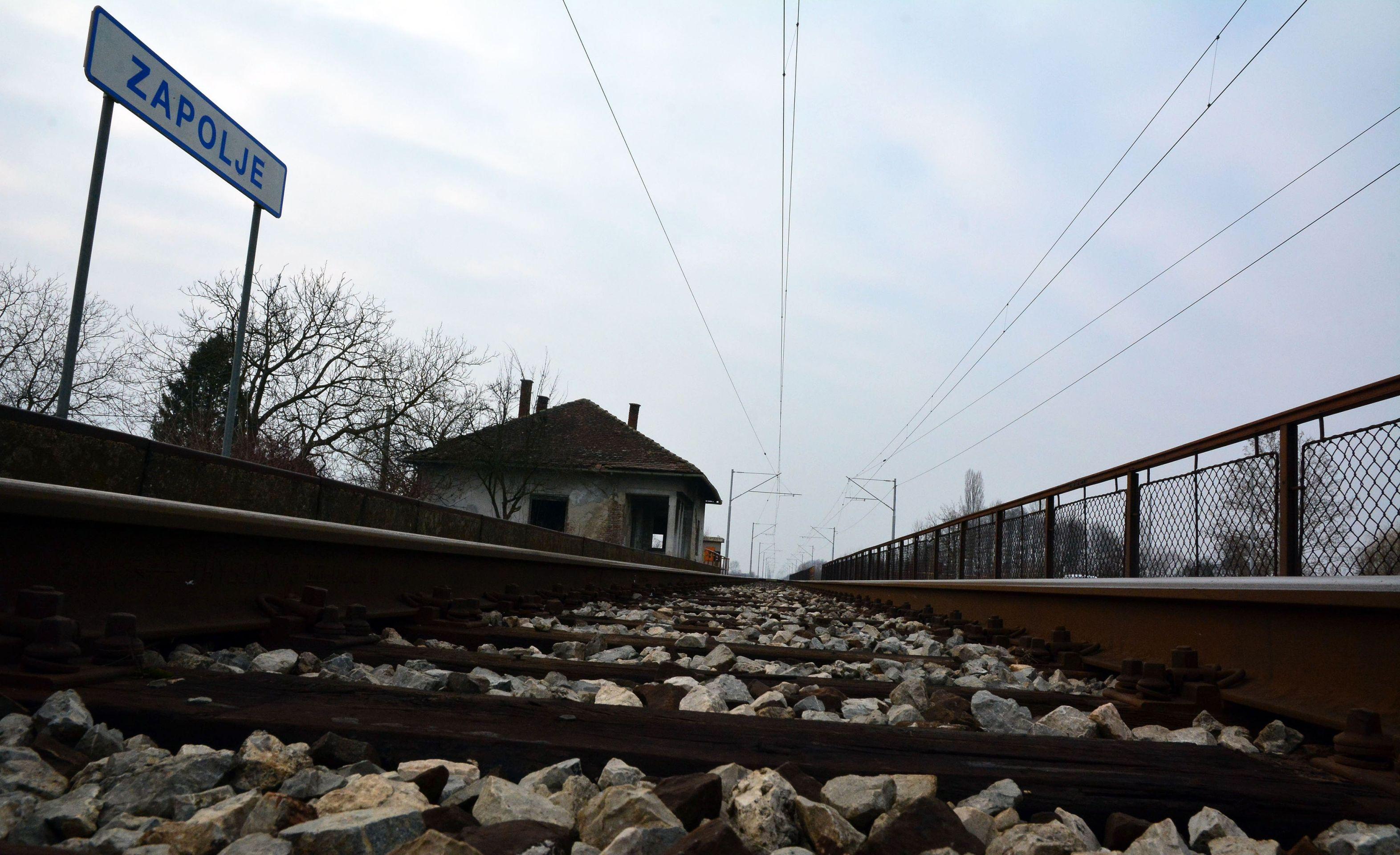 NOVI ZAKON Ako vlak kasni sat vremena, pravo na hranu, piće, odštetu