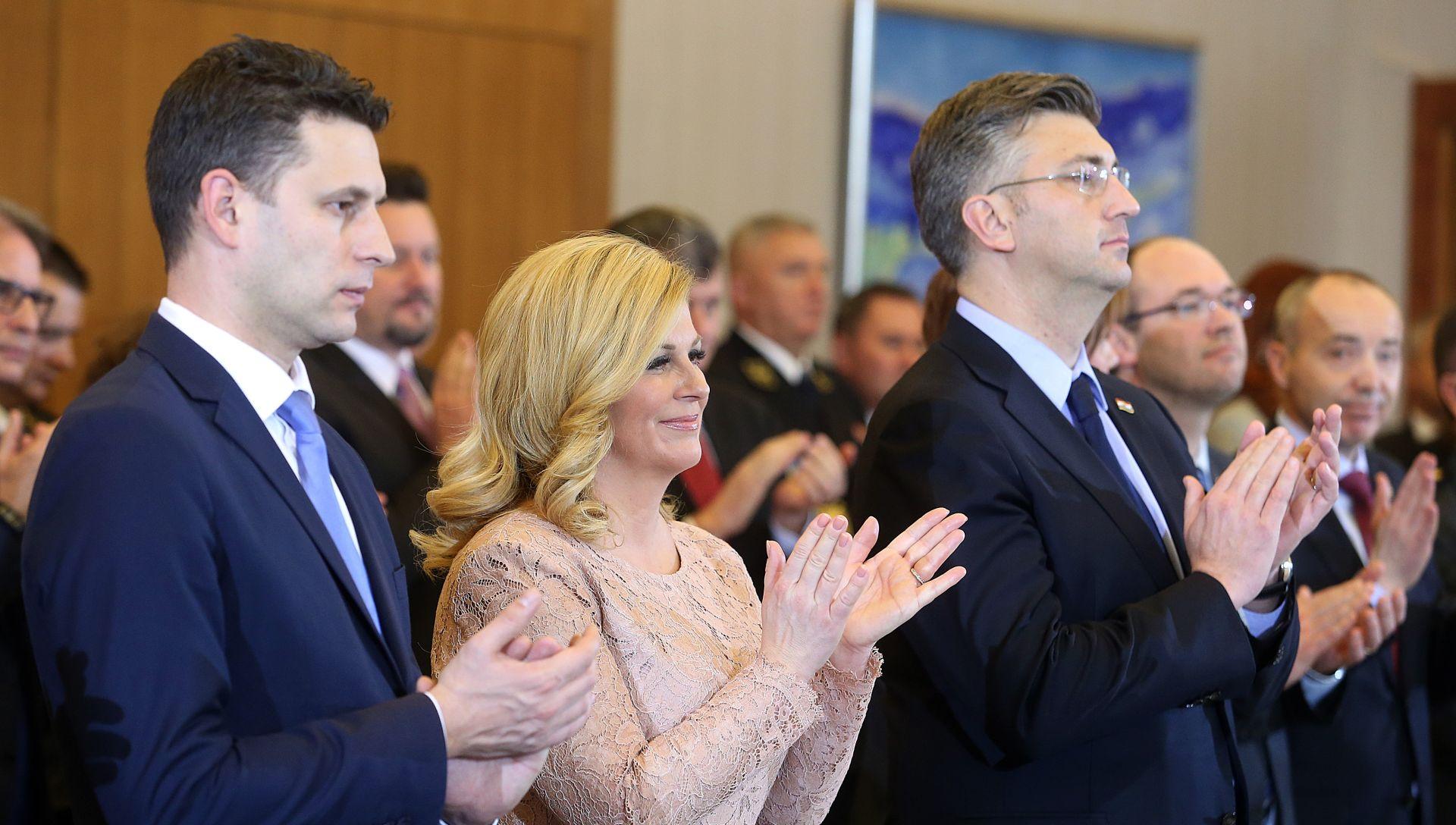 CRO DEMOSKOP Plenković najpozotivniji, 'Nitko' pretekao predsjednicu