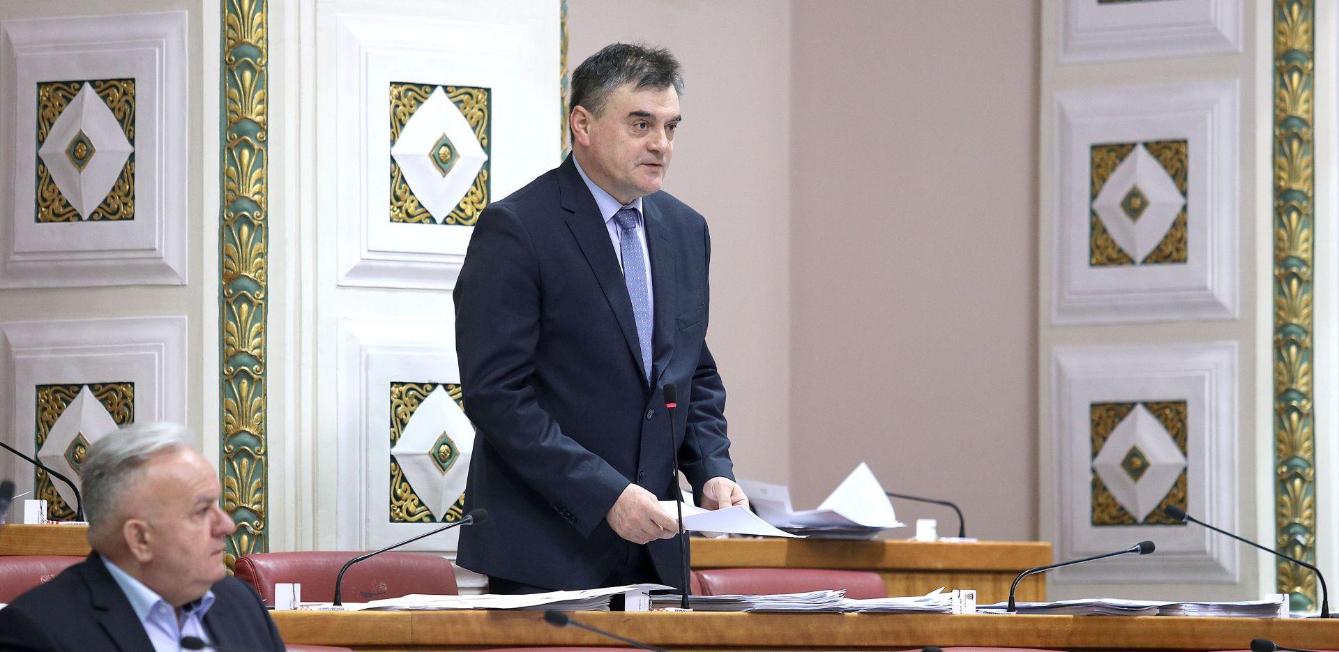 DAVOR VLAOVIĆ (HSS) 'U svakom selu treba biti obiteljski liječnik'