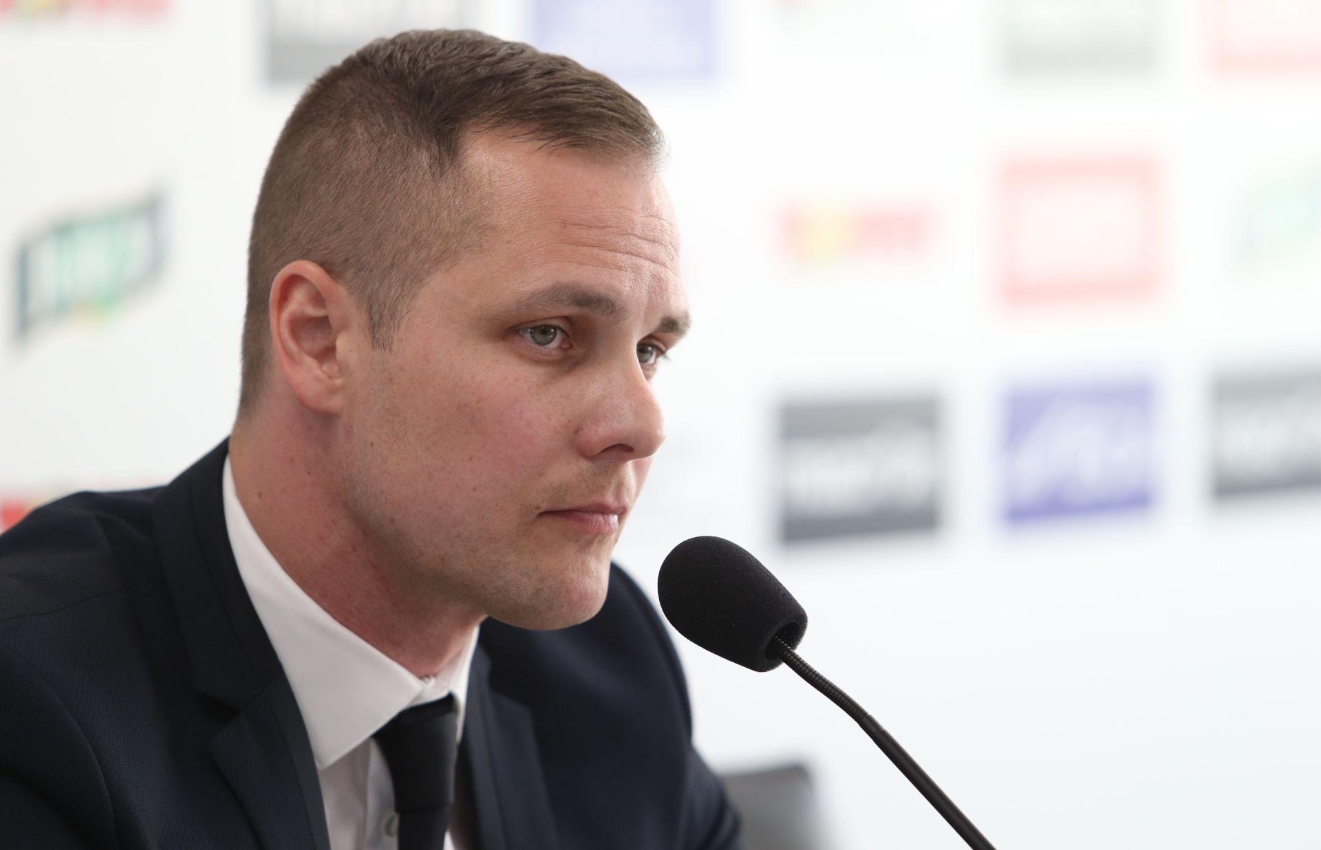 """'BILA NOĆ' U NOVALJI Vilson Džoni: """"Kako se ono zove predsjednik Hajduka, kao neka ptica. Kos?"""""""