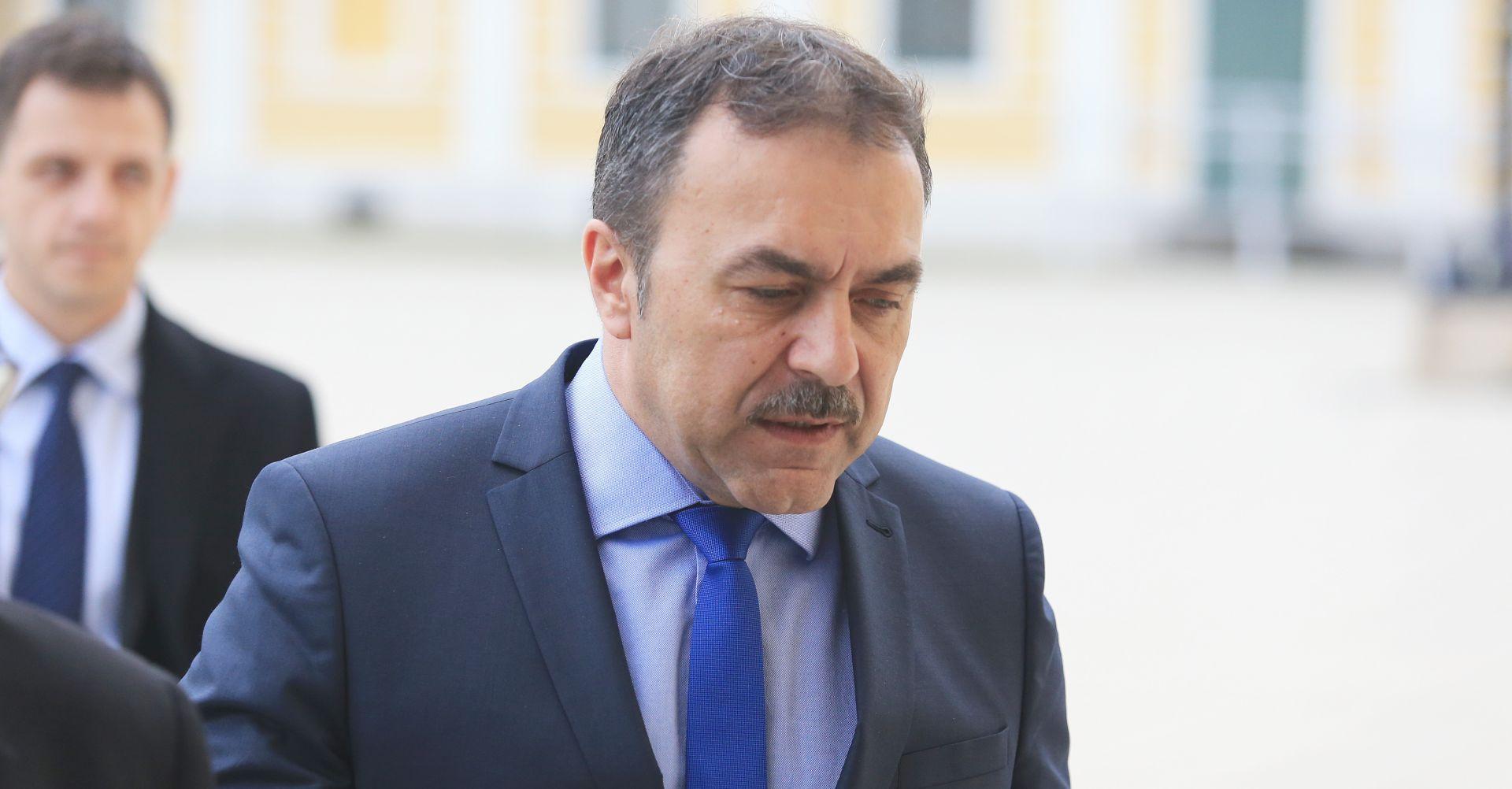 VLAHO OREPIĆ 'Ne možemo ispuniti kvotu jer izbjeglice ne žele u Hrvatsku'