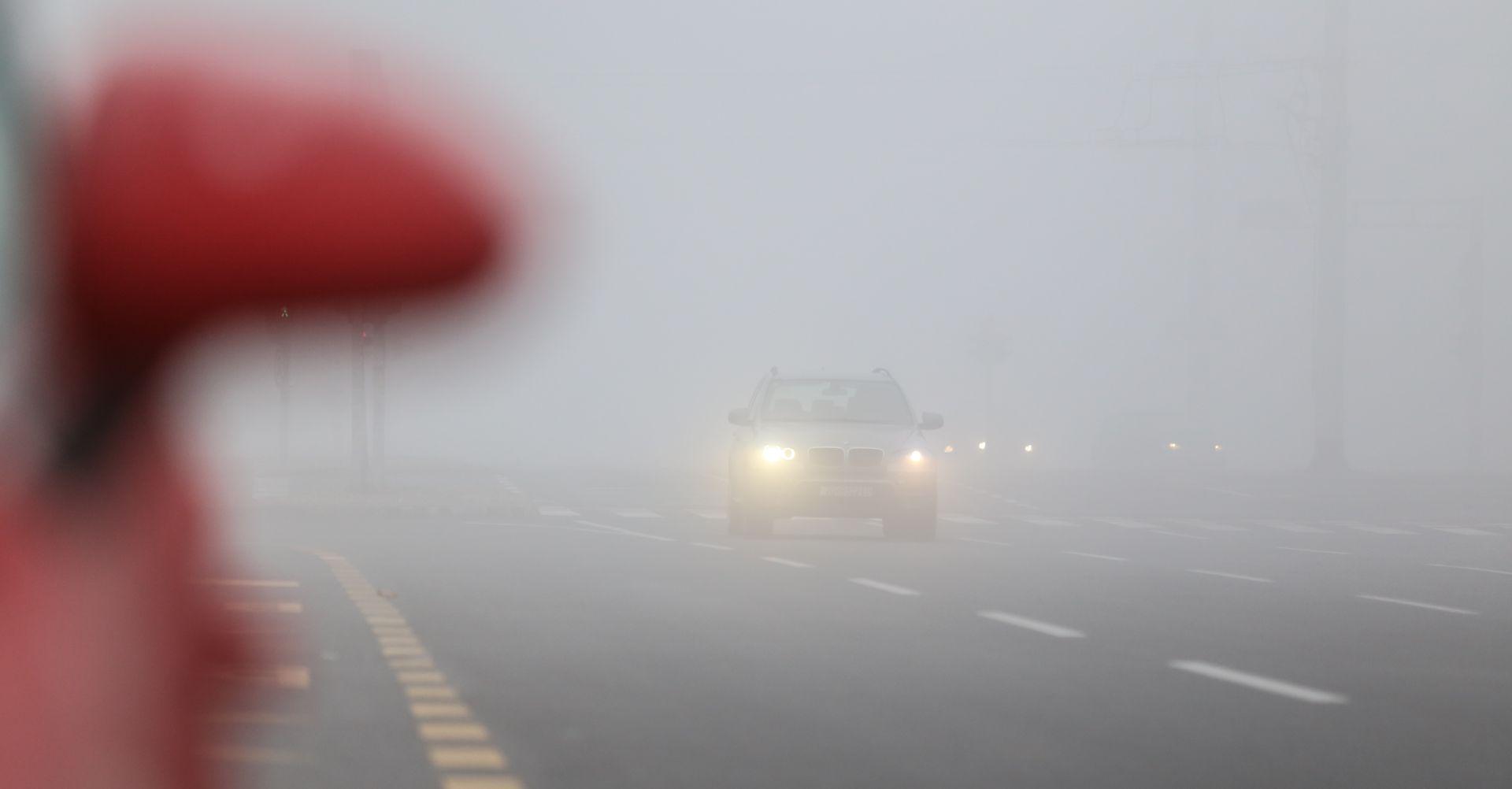 HAK Magla u unutrašnjosti smanjuje vidljivost i usporava vožnju