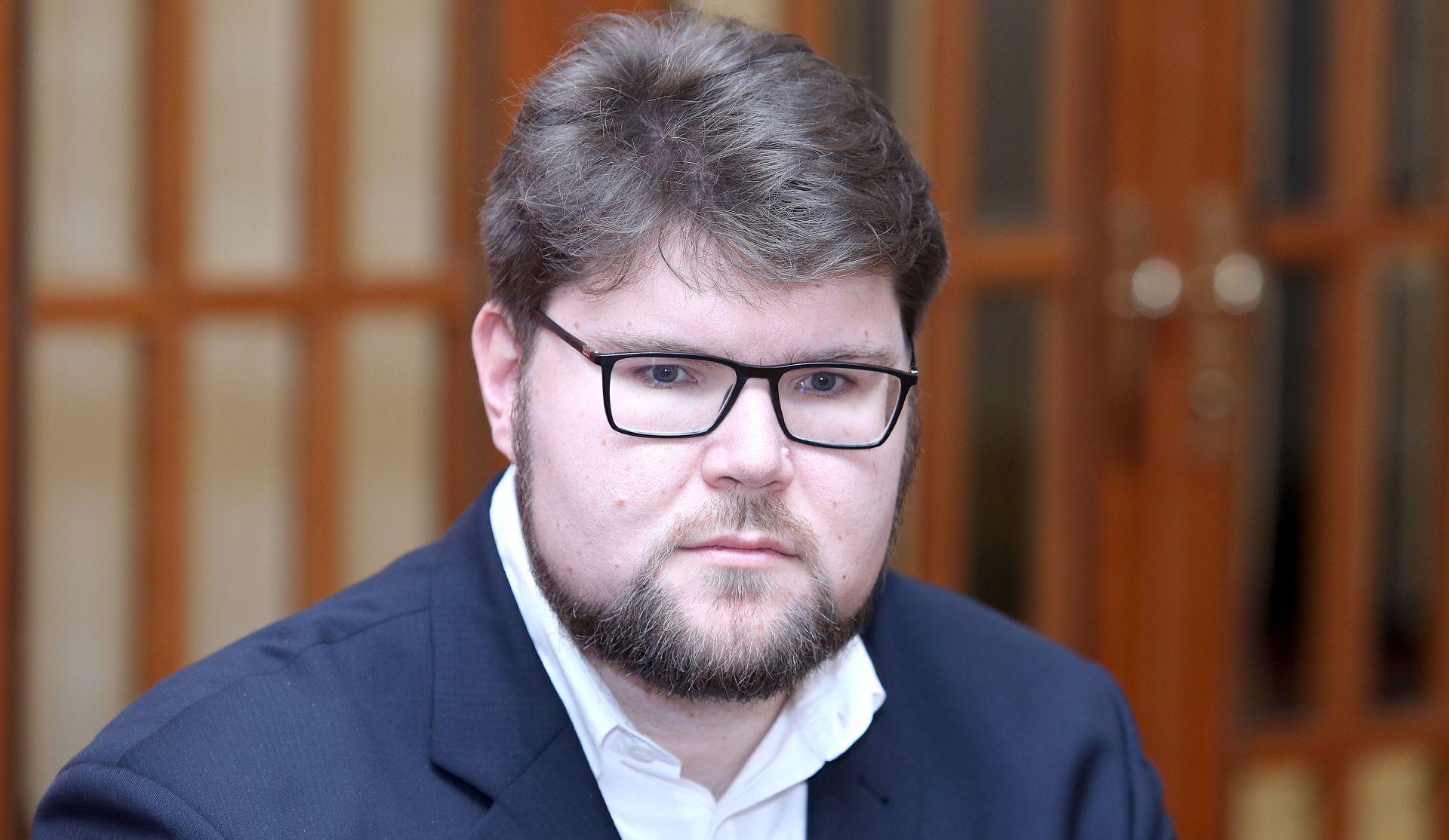 Grbin napao Plenkovićevu vladu zbog zapošljavanja savjetnika
