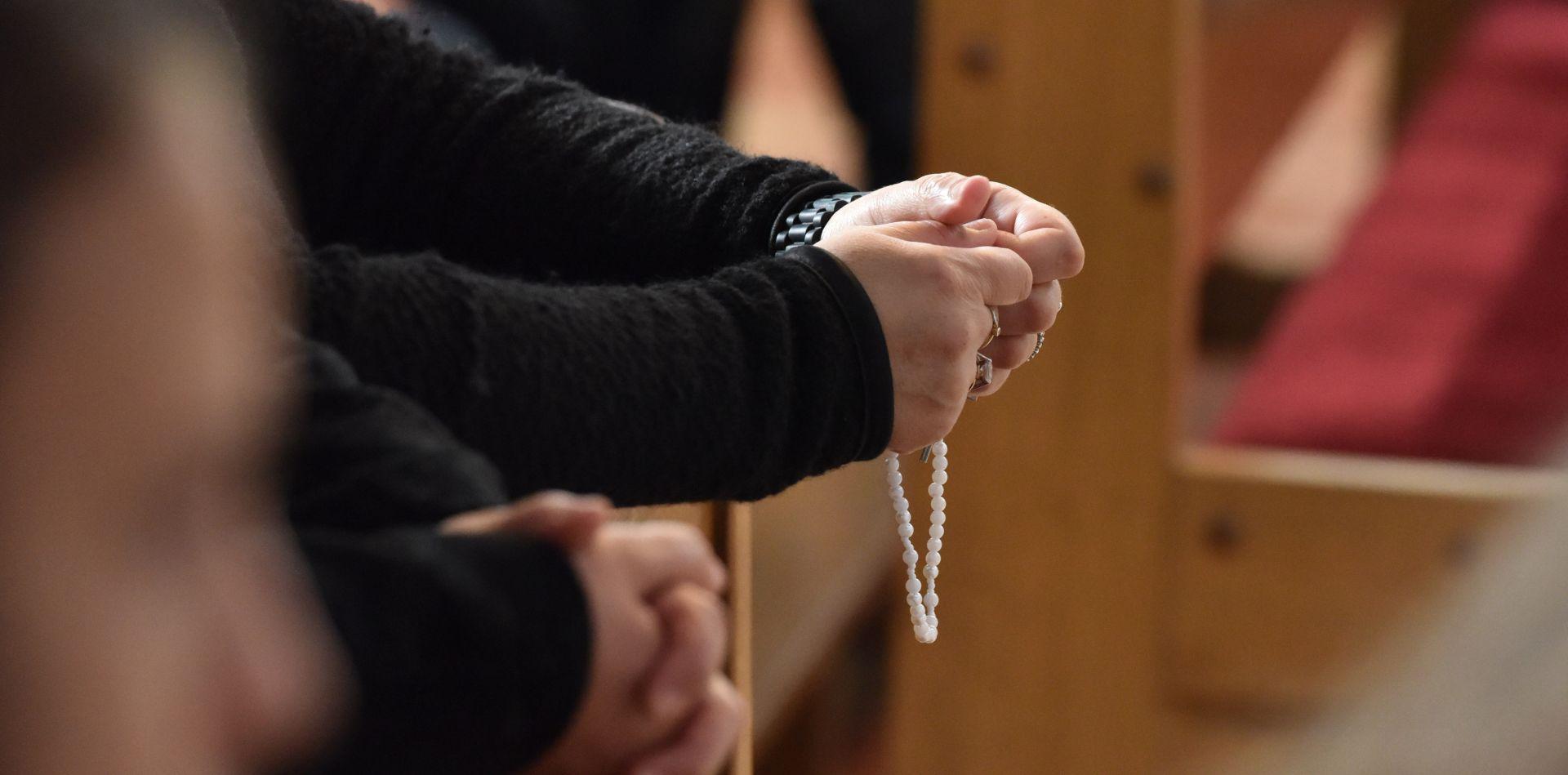 """Hrvatska, zemlja visoke razine religioznosti; trećina """"sam svoj"""" vjernik"""