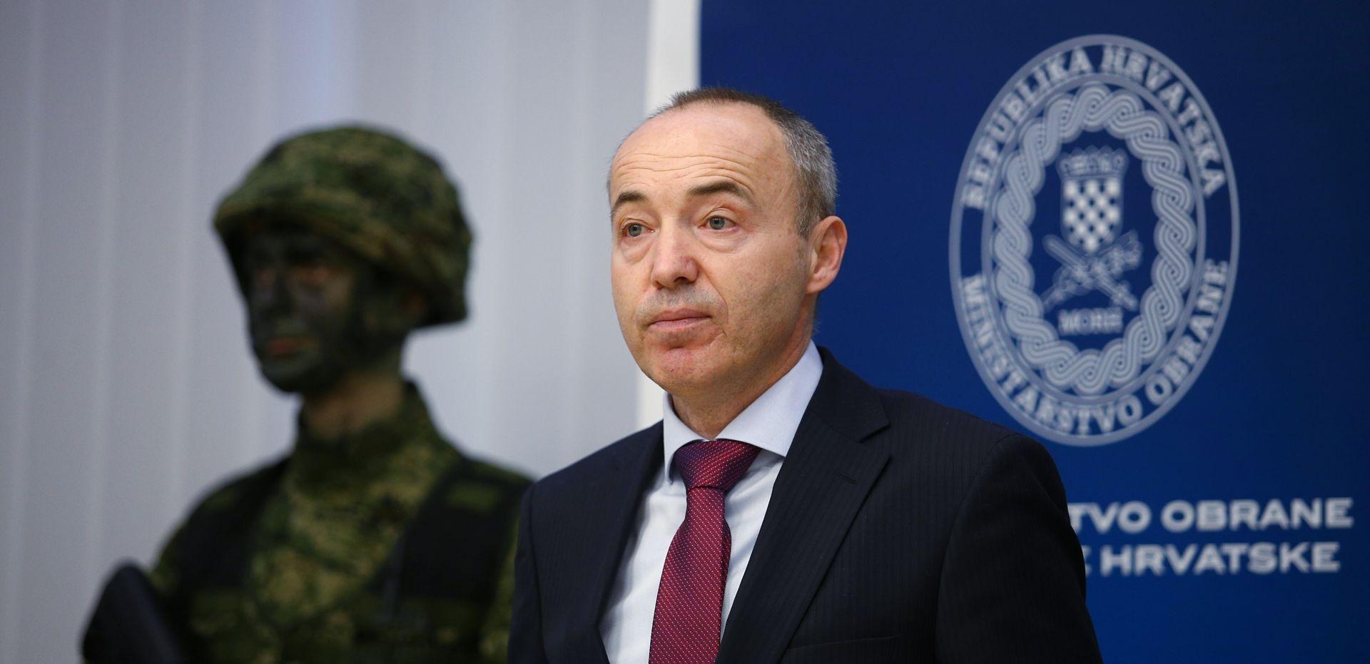 Ministar Krstičević i načelni OS RH Šundov posjetili vojarnu 5. gardijske brigade