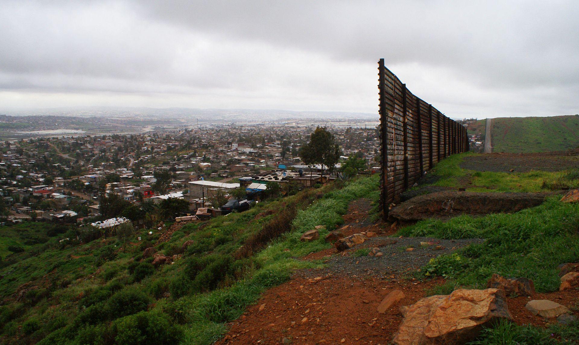 """PREDSTAVLJEN PLAN: Trumpove mjere o deportaciji migranata ne odnose se na """"sanjare"""""""