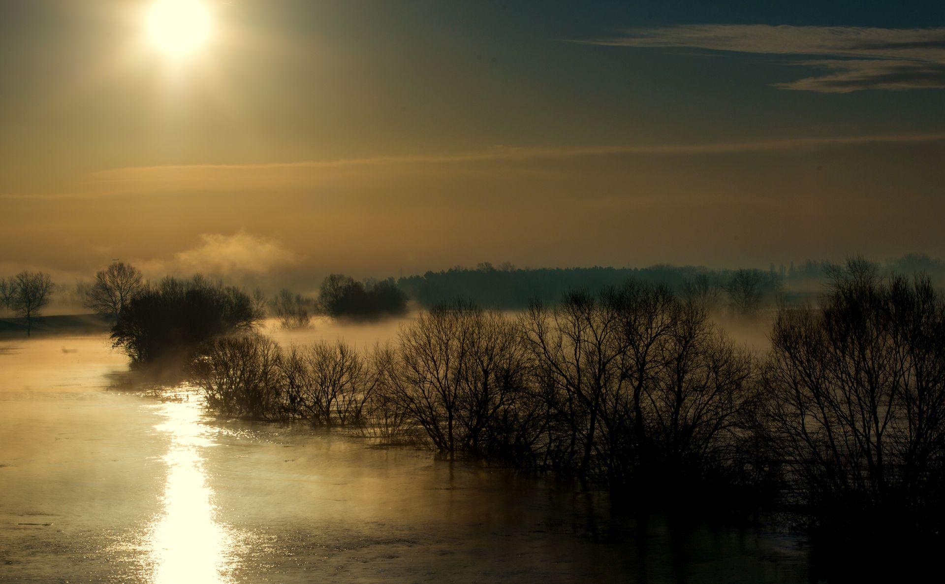 HAK: Mjestimice mokri kolnici, magla u Gorskom kotaru