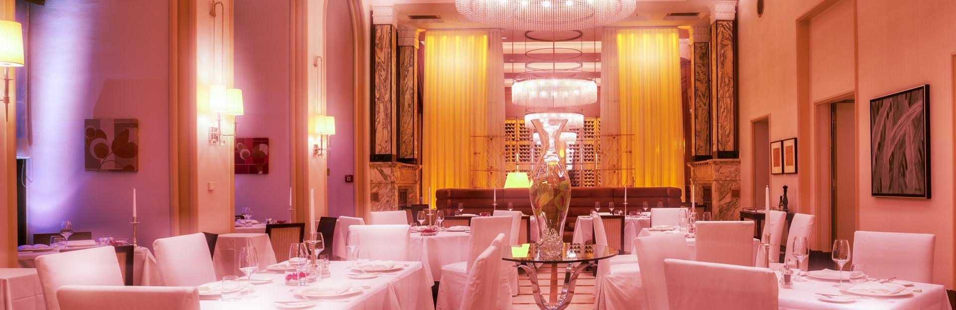 ZINFANDEL'S Pink Gala humanitarna večera uz nastup 'The Frajli'