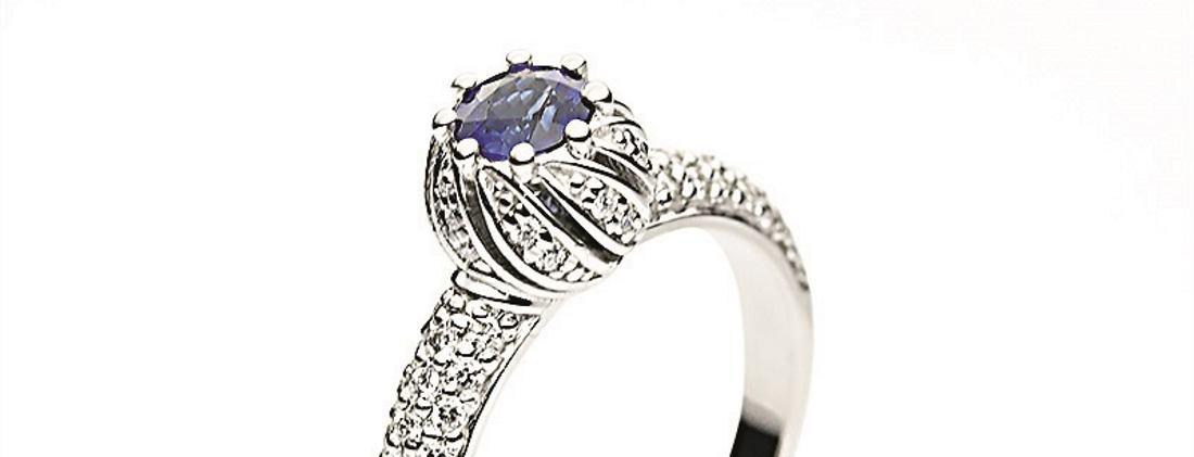 Zaručnički prsten s kraljevskim šarmom