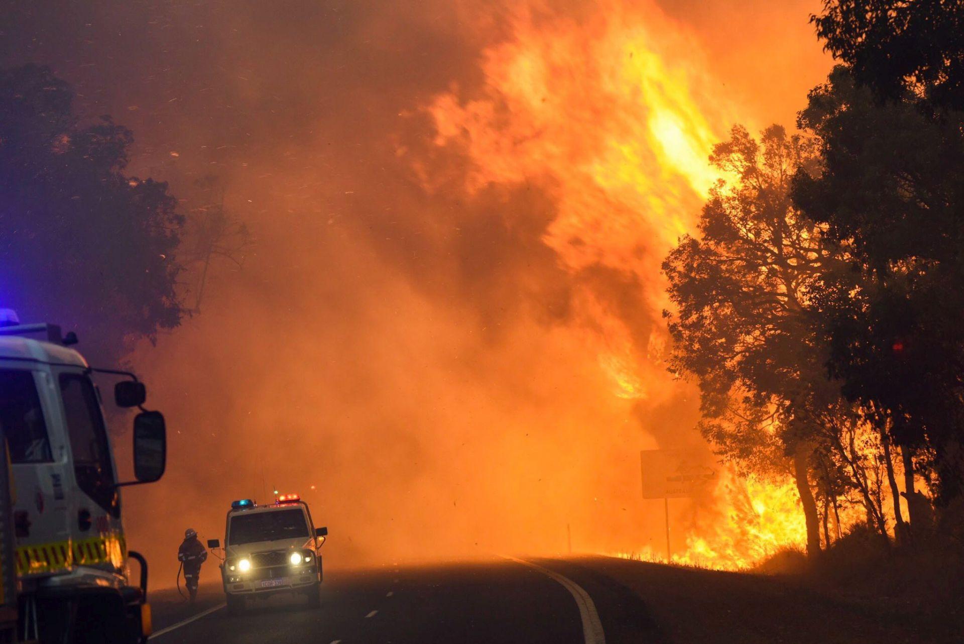 U gašenju požara u Hercegovini uključio se vojni helikopter BiH