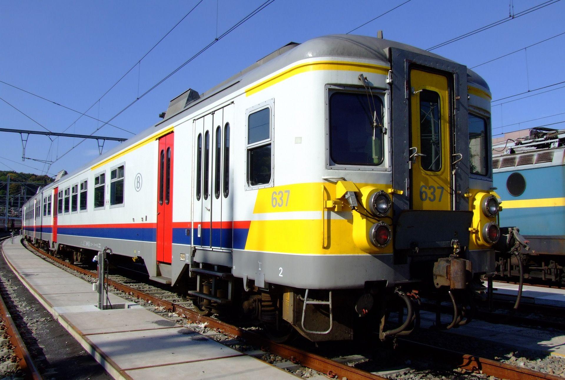 BELGIJA Vlak iskočio iz tračnica, najmanje jedna osoba poginula