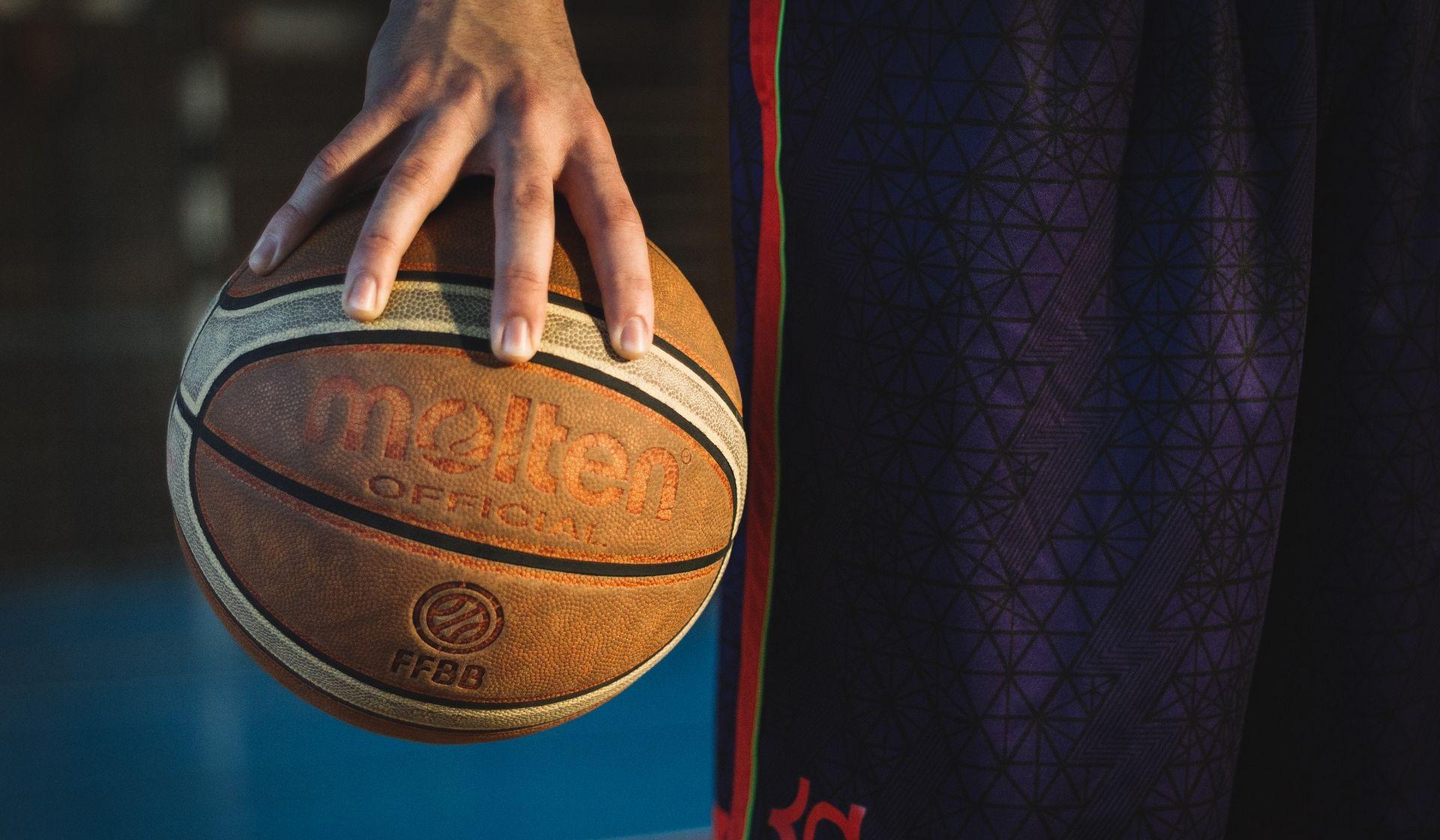 Sedam privedenih zbog upada na parket na košarkaškoj utakmici Šibenik-Zadar