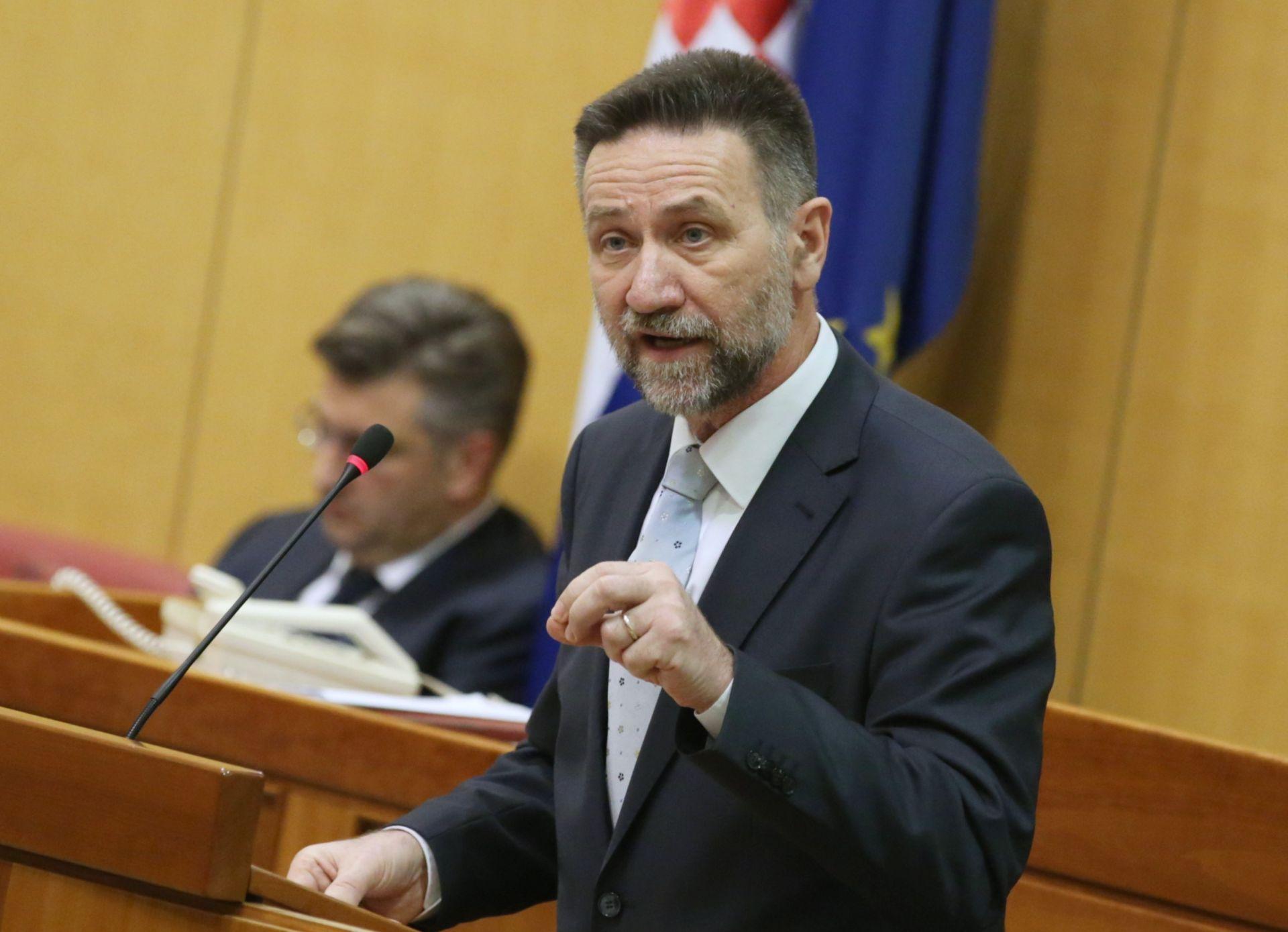 MARATONSKA RASPRAVA Glasovac: 'Nemojte dozvoliti da ministar Barišić prijeđe preko mosta'
