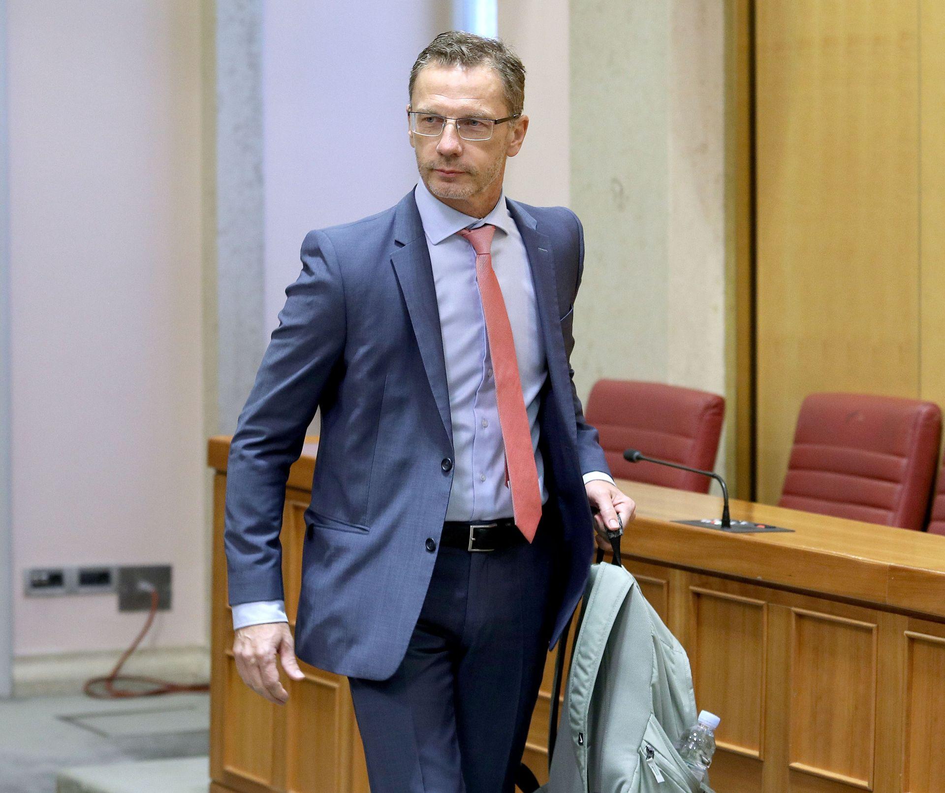 ODLUKA POVJERENSTVA: Pokrenut postupak protiv guvernera Vujčića