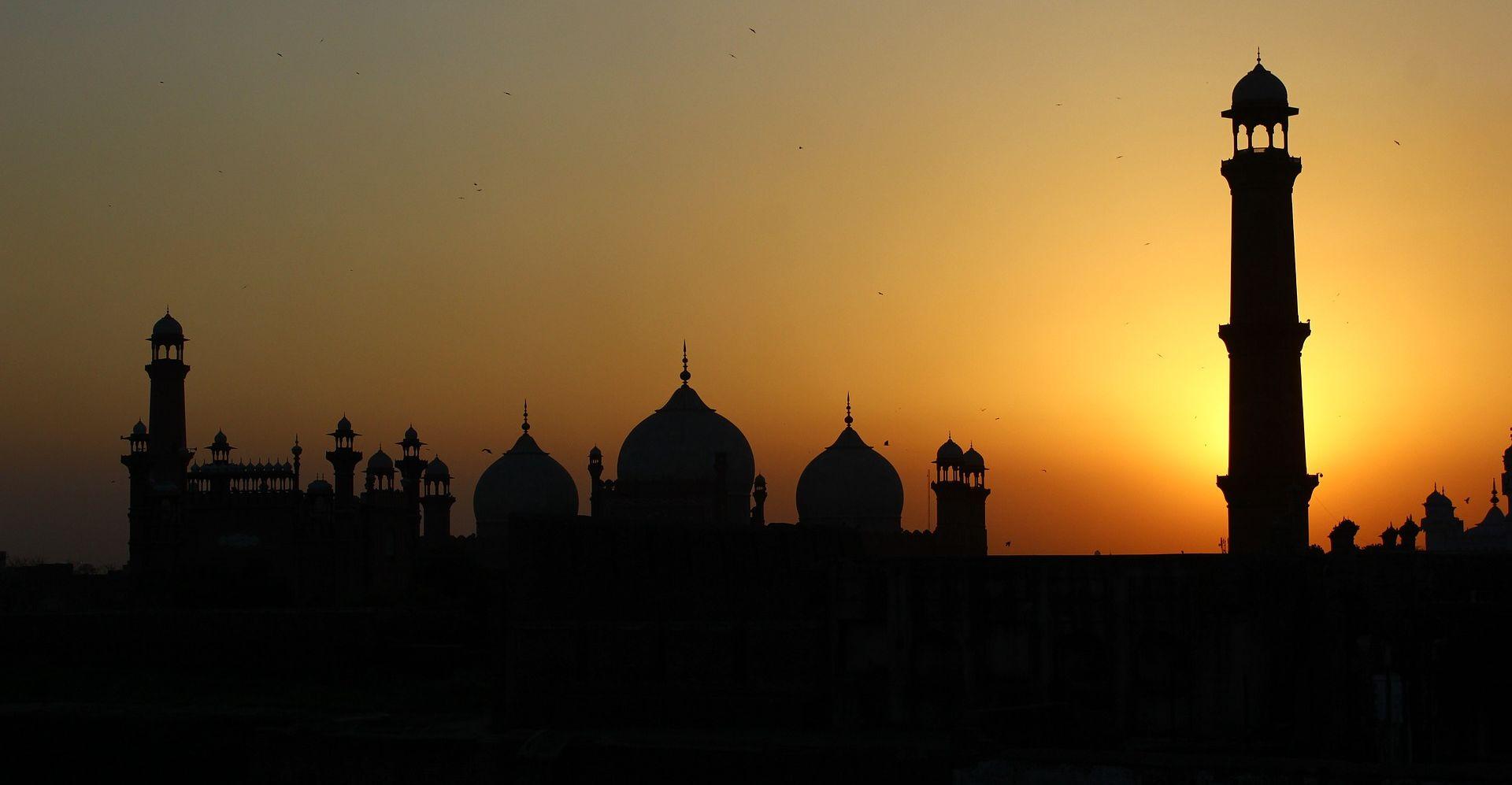 U Pakistanu 72 mrtva u napadu na sufijski hram