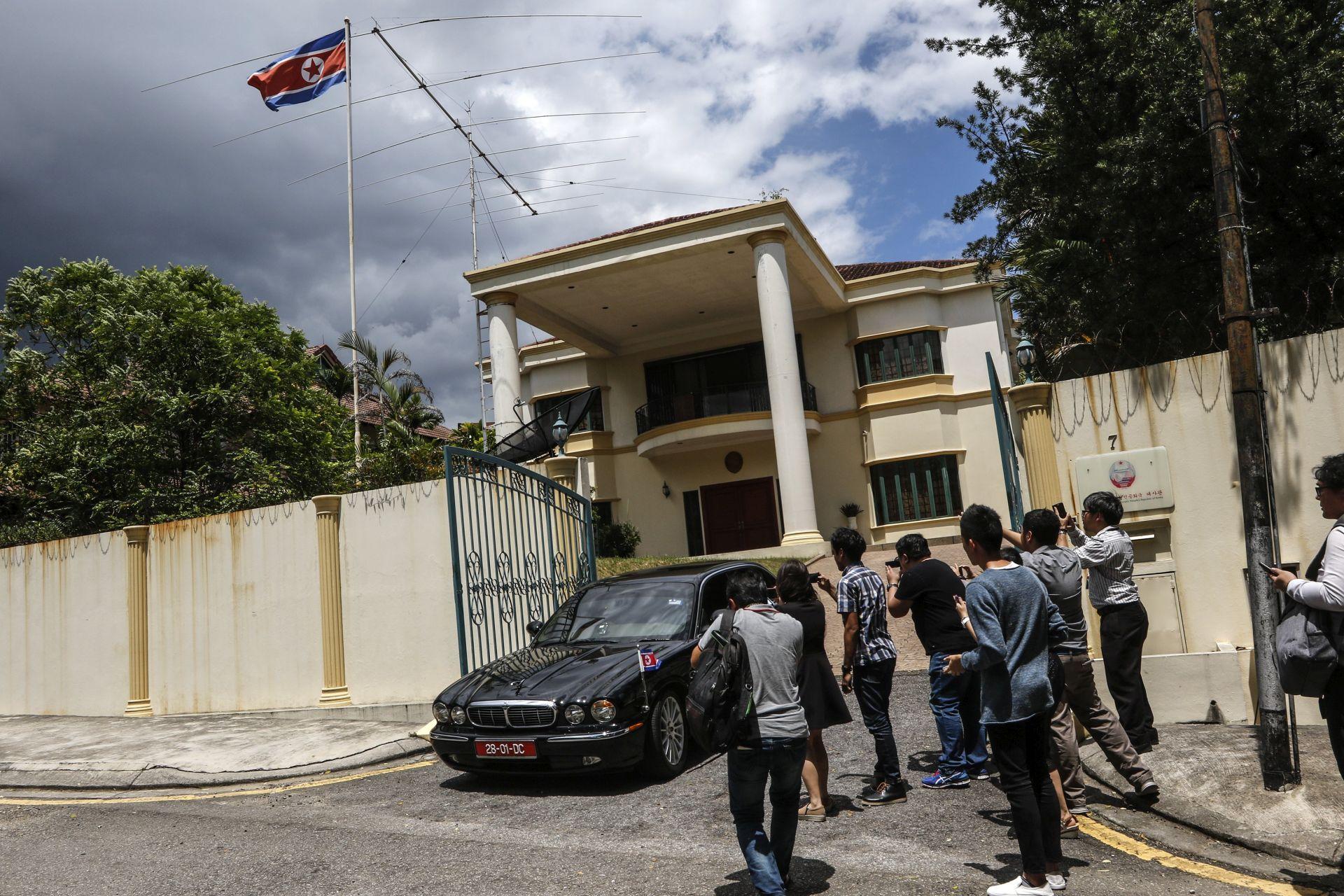 MALEZIJSKE VLASTI: Sjeverna Koreja protiv obdukcije Kima Jong Nama