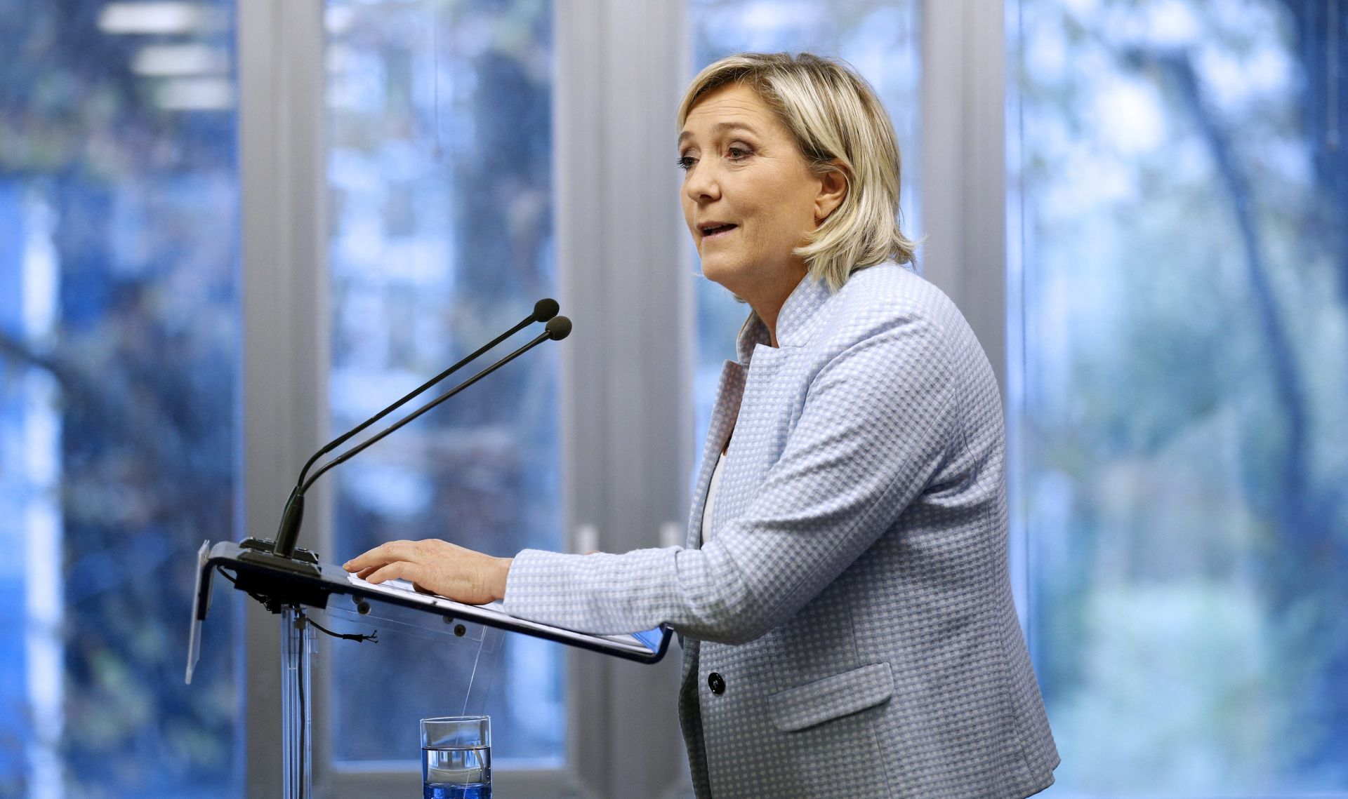 Le Pen ponovno protiv eura