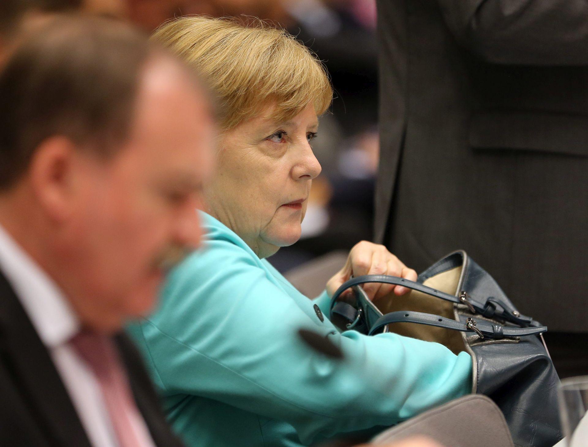 PARLAMENTARNI IZBORI: CDU/CSU potvrdila Merkel za kandidatkinju za kancelarku