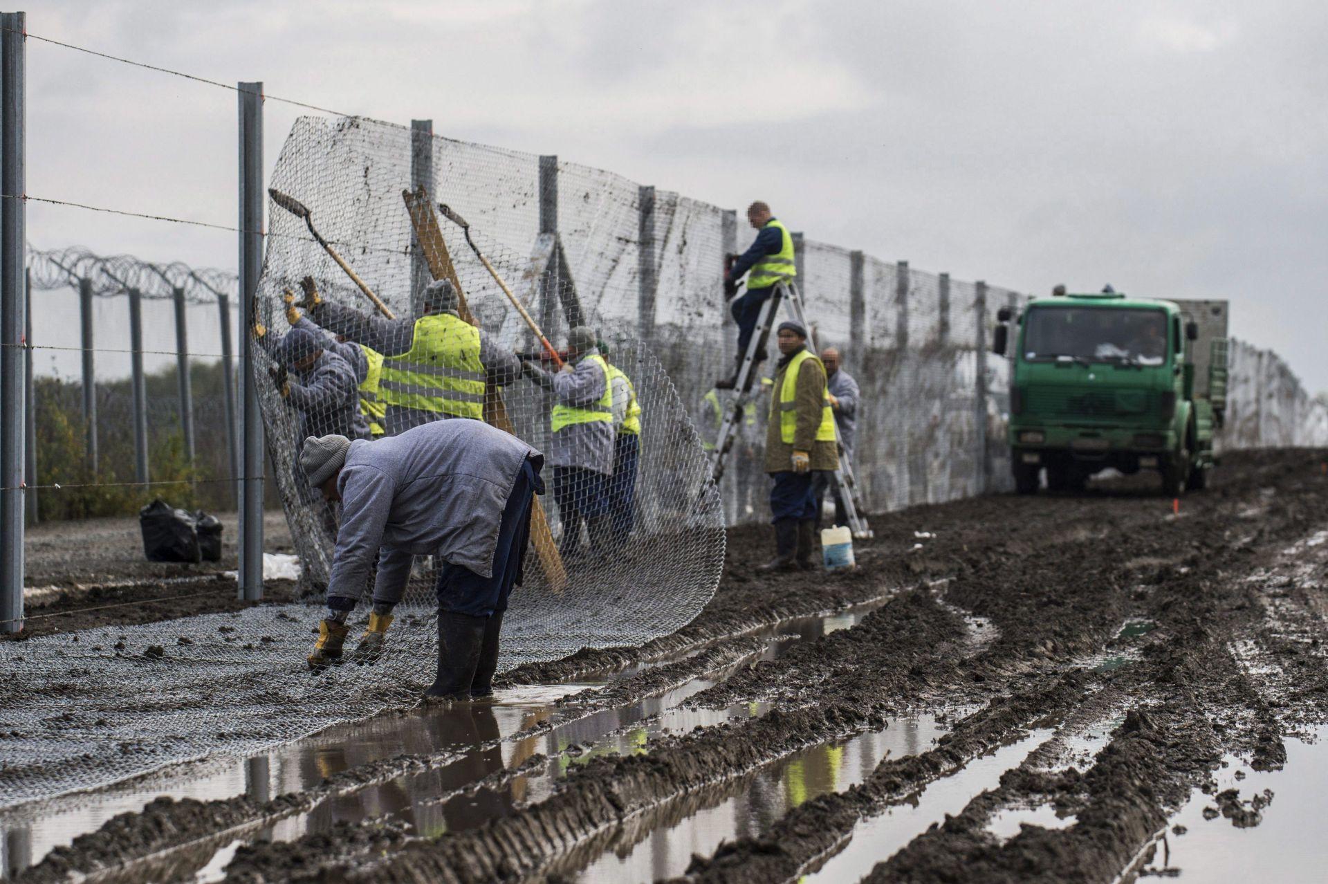 GRANICA SA SRBIJOM: Mađarska postavlja drugu zaštitnu ogradu
