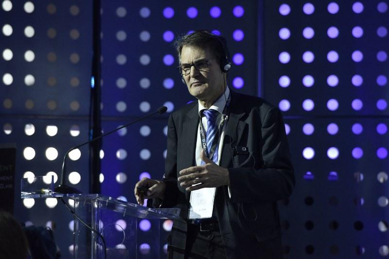 Peter Höflechner tokom govora