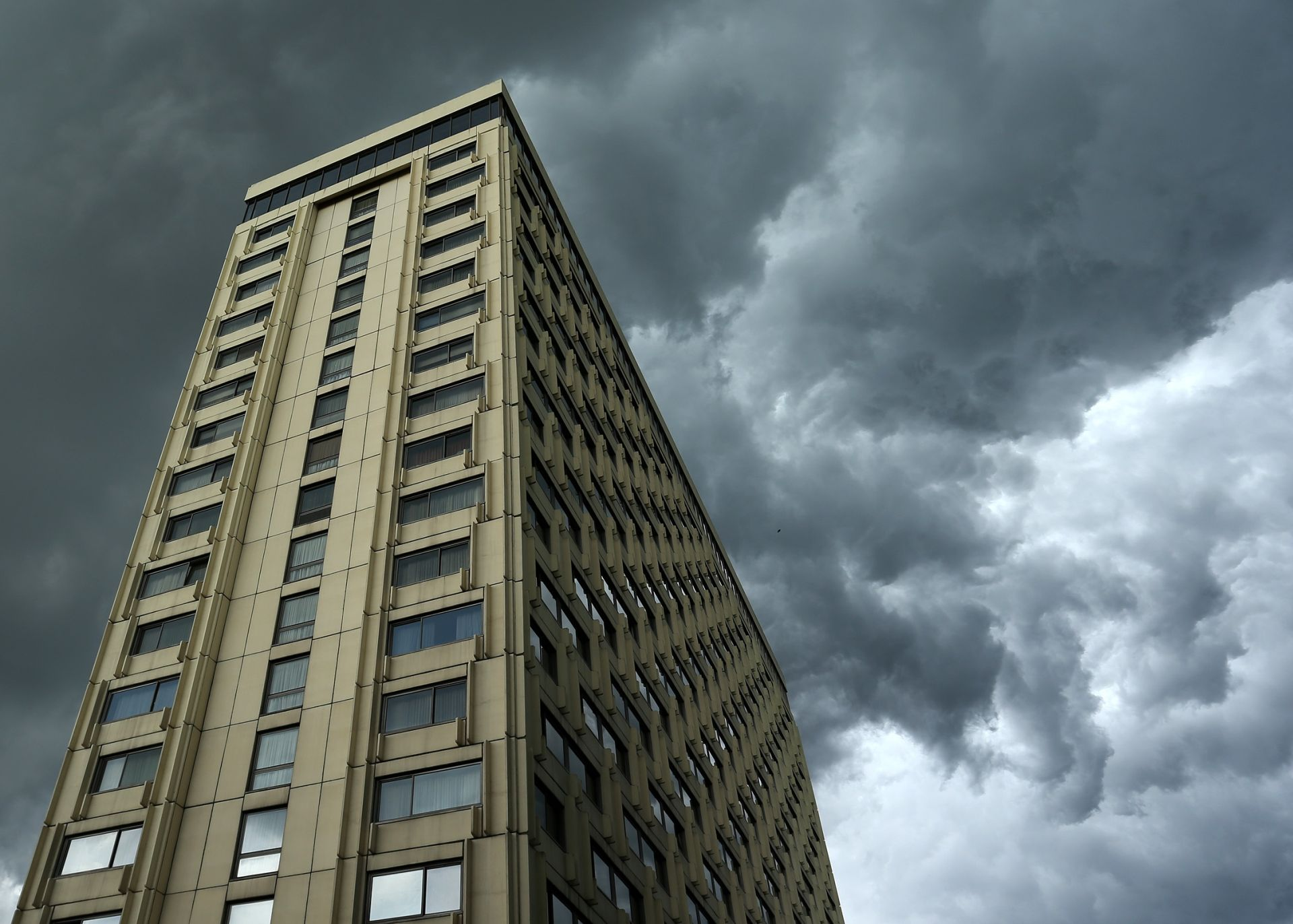 VRIJEME: Prijepodne oblačno, na Jadranu moguća kiša