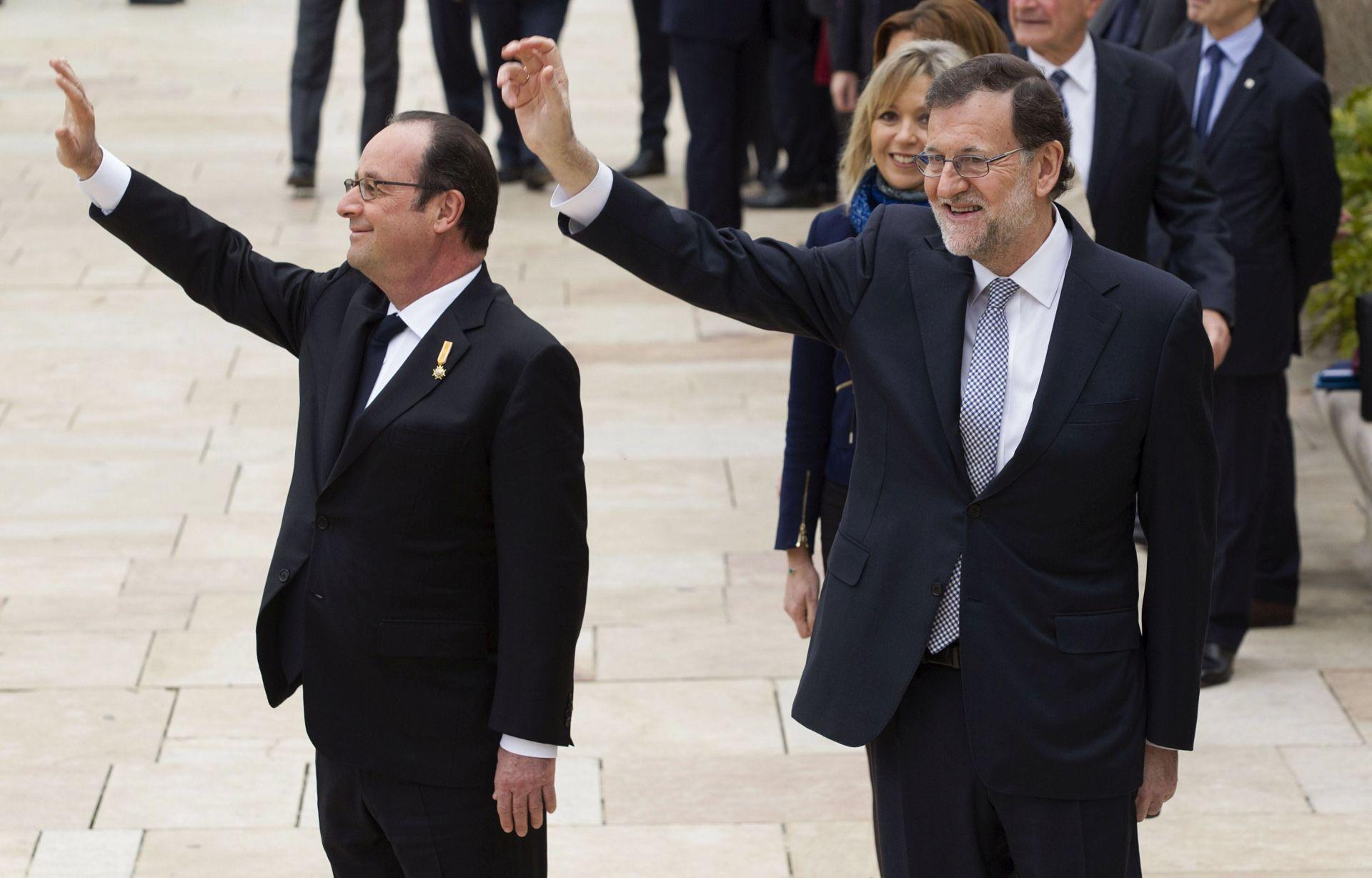 SUMMIT U VERSAILLESU: Hollande pozvao Merkel, Rajoya i Gentilonija