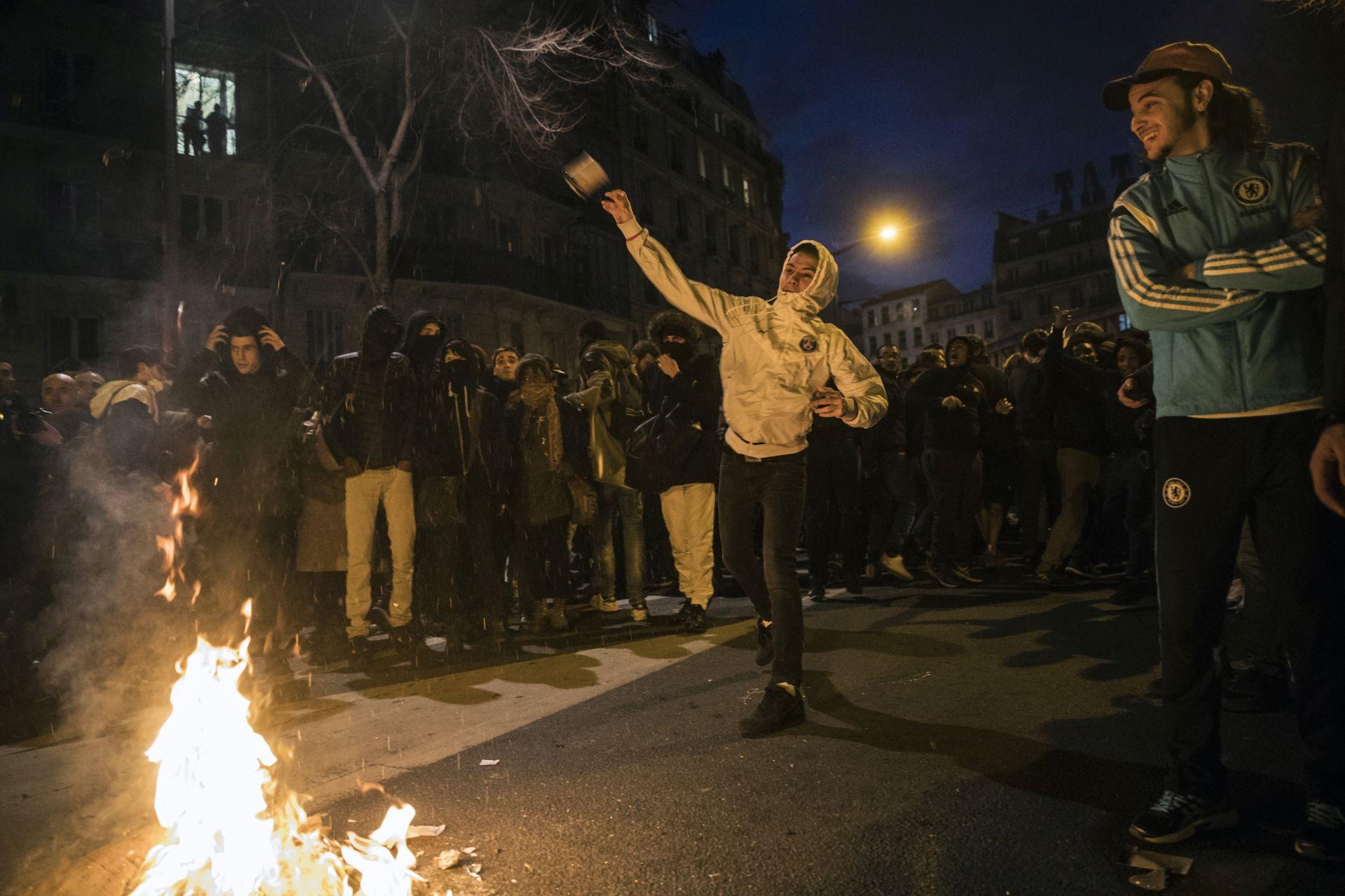 PRIVEDENO 200 OSOBA: Prosvjedi u Parizu postali nasilni