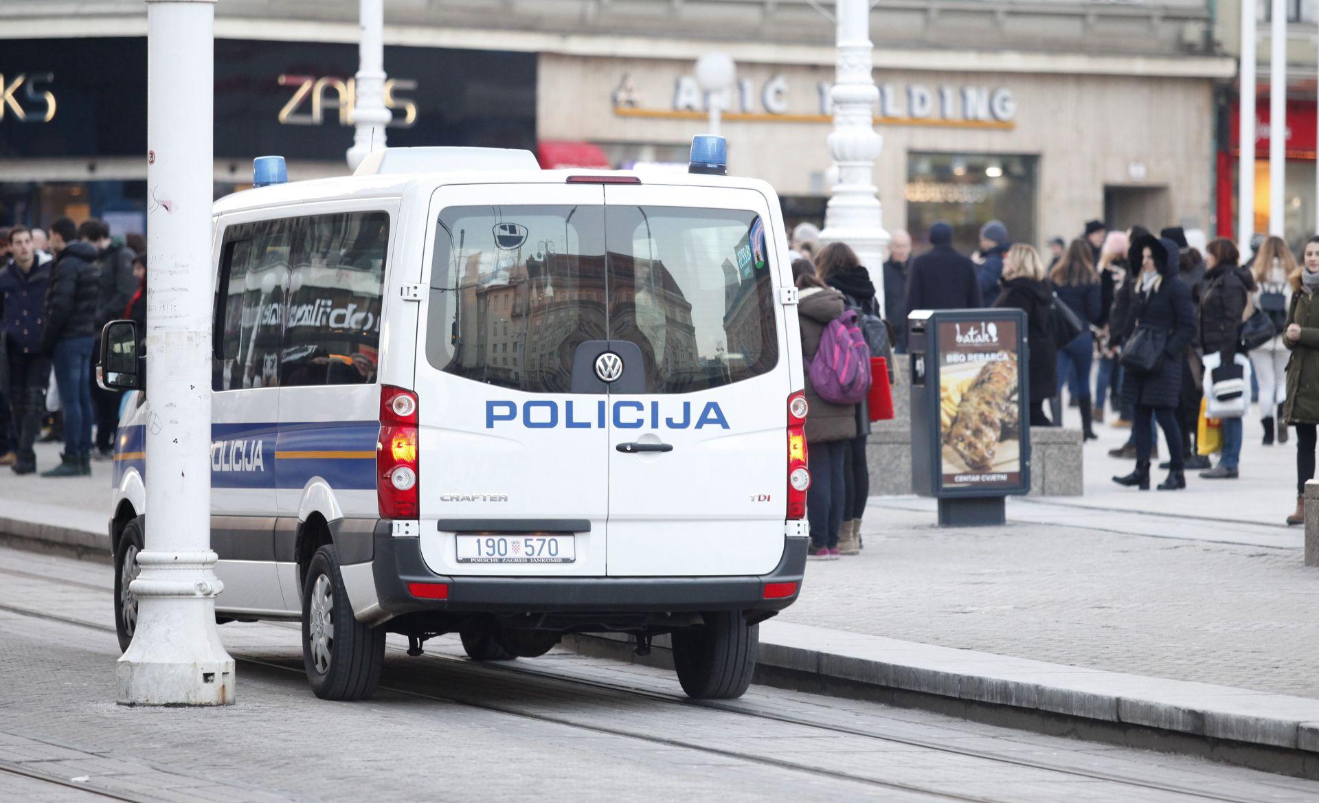 U ZAGREBAČKI NOĆNI KLUB BAČEN SUZAVAC: Zagreb Pride traži od vlasti osudu i brzu istragu