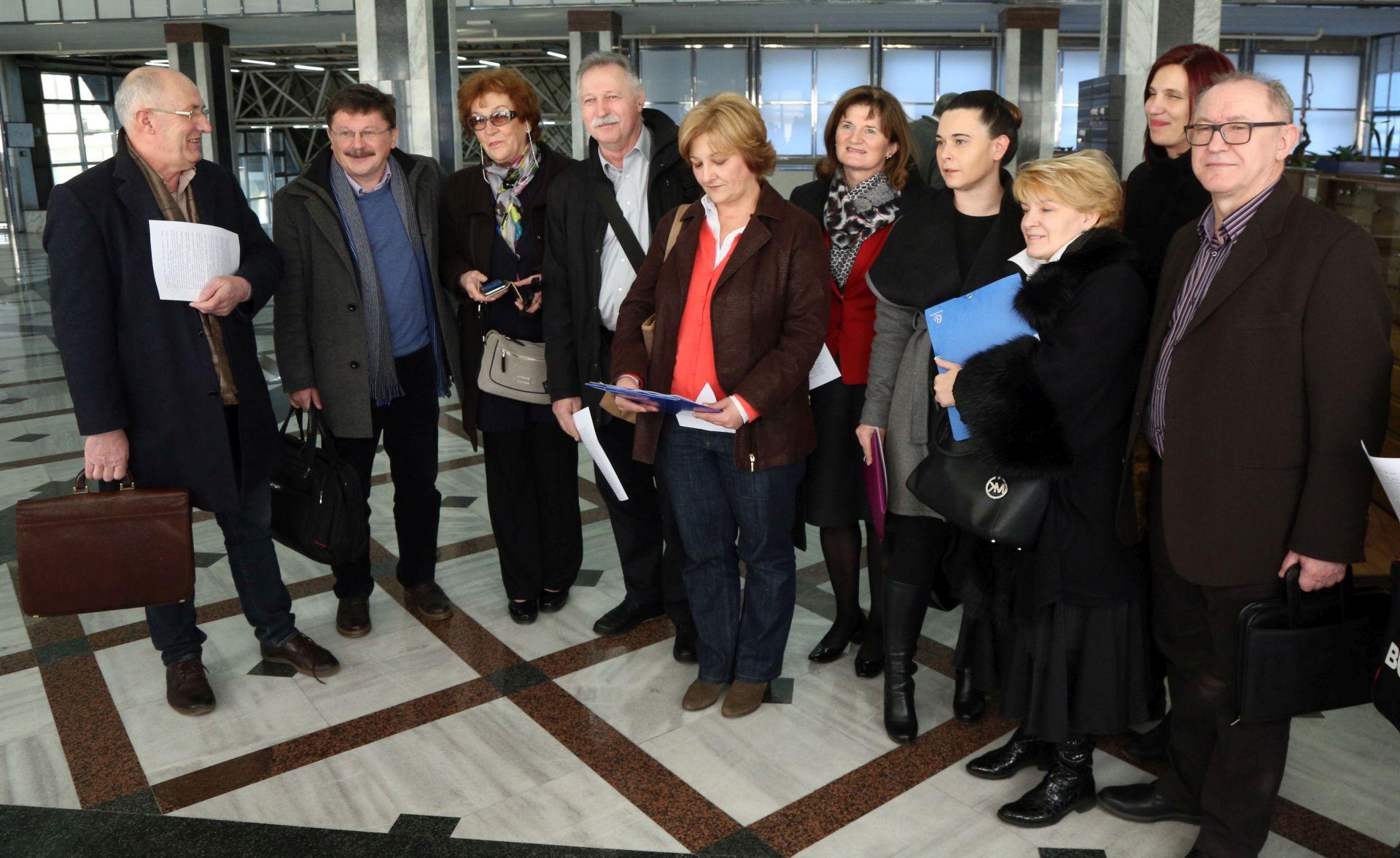 NASTAVAK PREGOVORA: Vlada i sindikati javnih službi idući utorak o temeljnom kolektivnom ugovoru