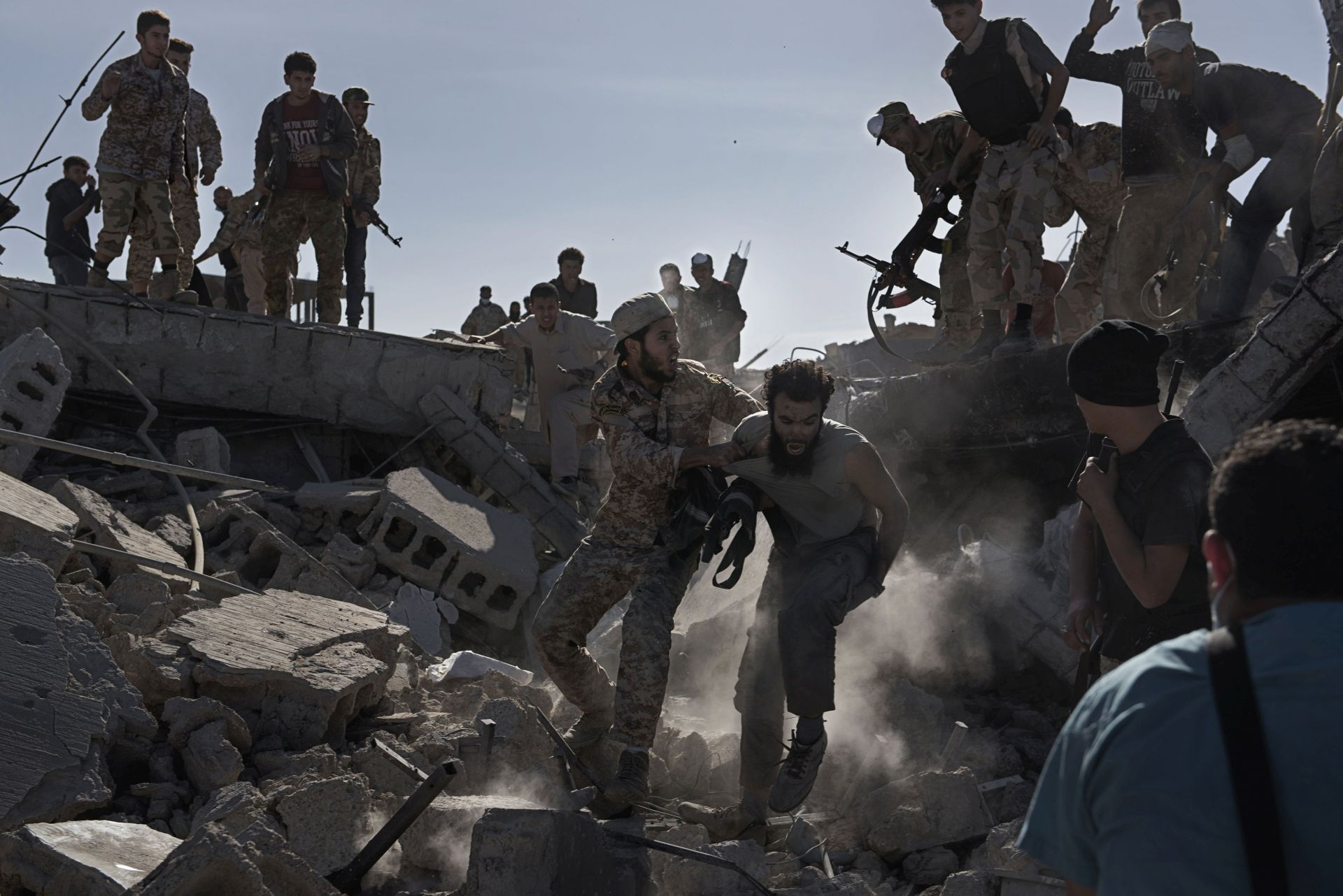 POTPORA TURSKE: Sirijski pobunjenici preuzeli kontrolu nad središtem al-Baba