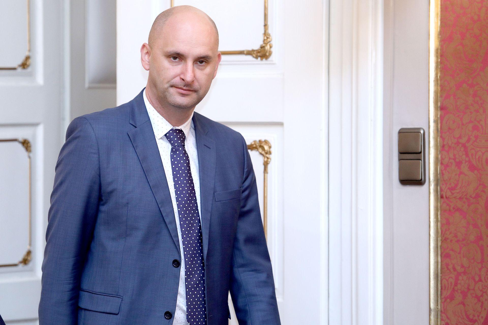 TOLUŠIĆ: 'Dok sam ja ministar, poticaji će ići u veljači i travnju, a avansi do kraja jedanaestog mjeseca'