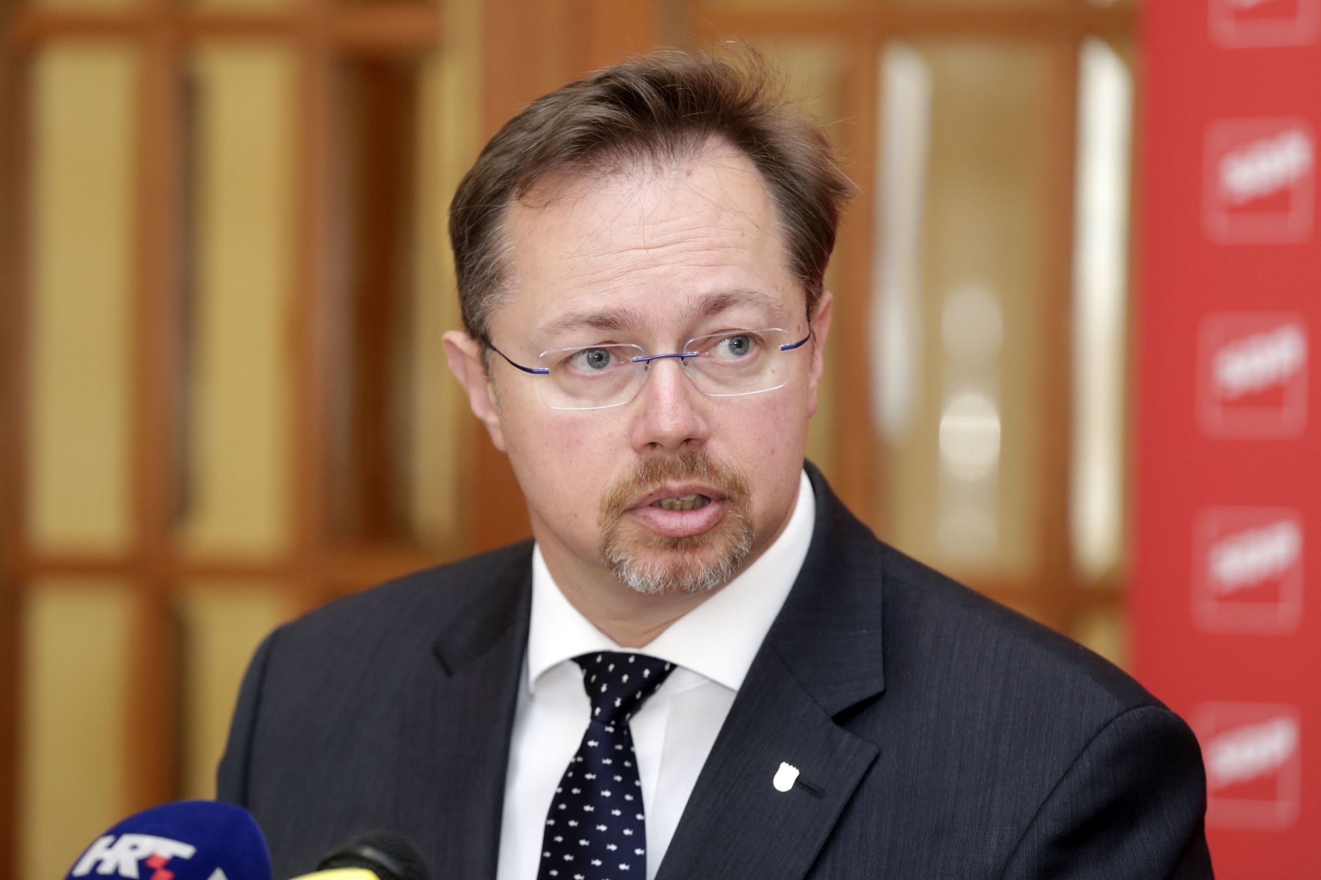 'Kujundžić je vrhunski liječnik, ali loš ministar'