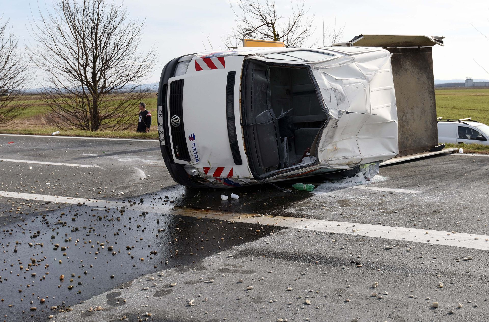 PROMETNA NESREĆA: U Čakovcu se prevrnuo kamion, dvije osobe ozlijeđene