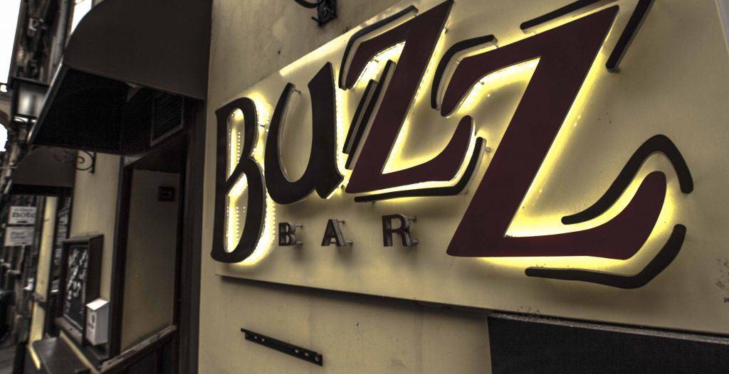 Željka Veverec i Toni Starešinić u Buzz baru u četvrtak