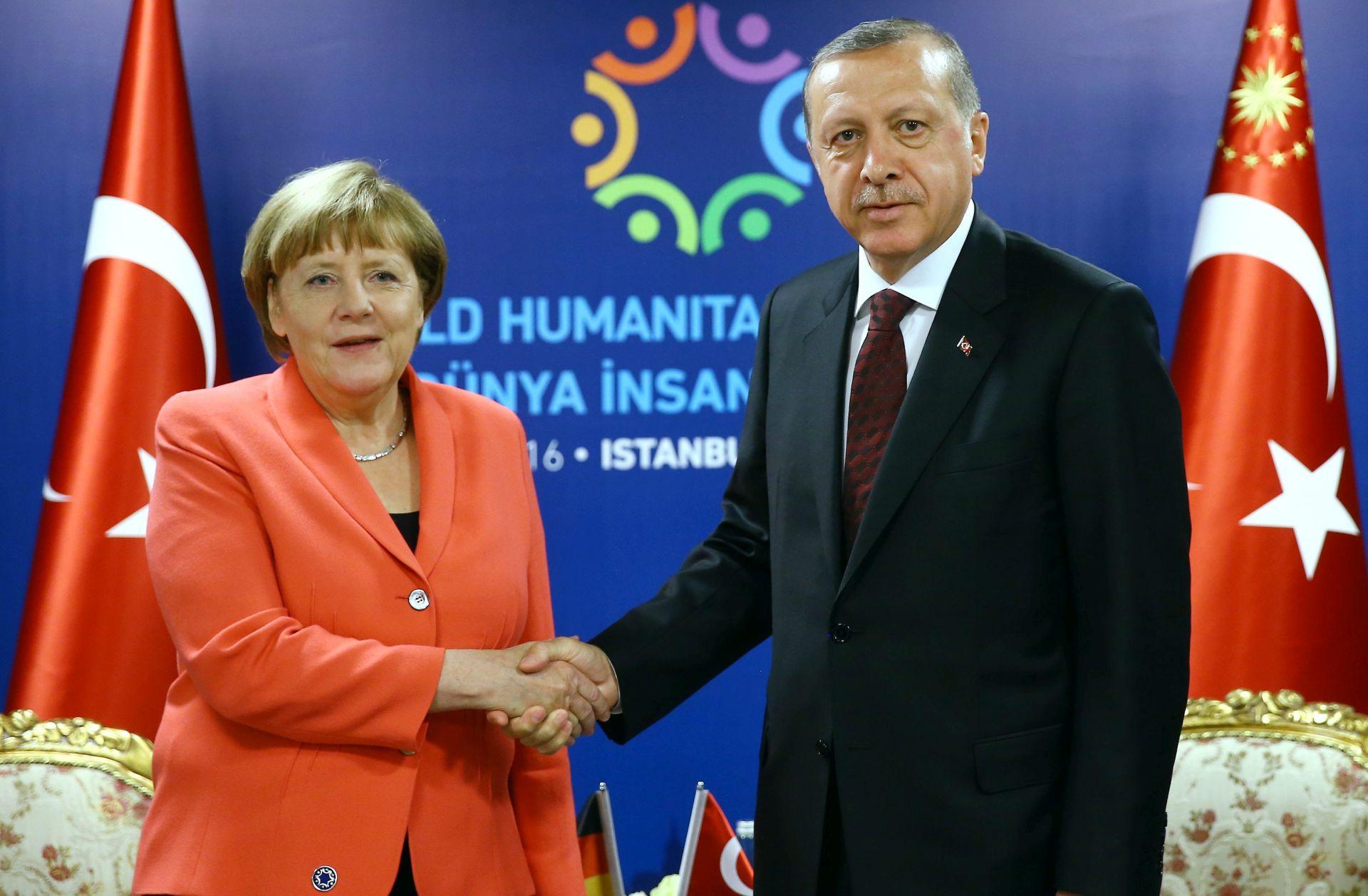 Merkel planira sastanak s Erdoganom u četvrtak na rubu summita NATO-a
