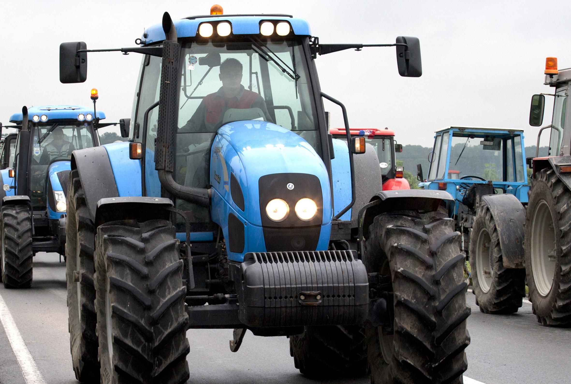 Traktor usmrtio 60-godišnjeg vozača