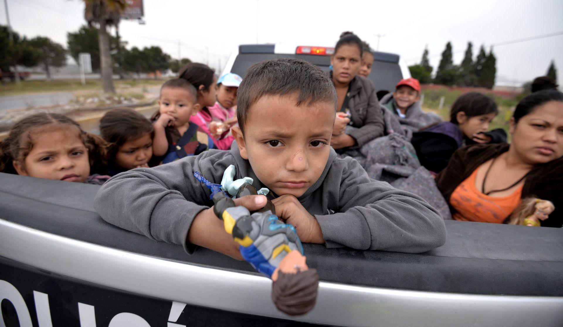 Američka vlada vratila roditeljima 522 djece