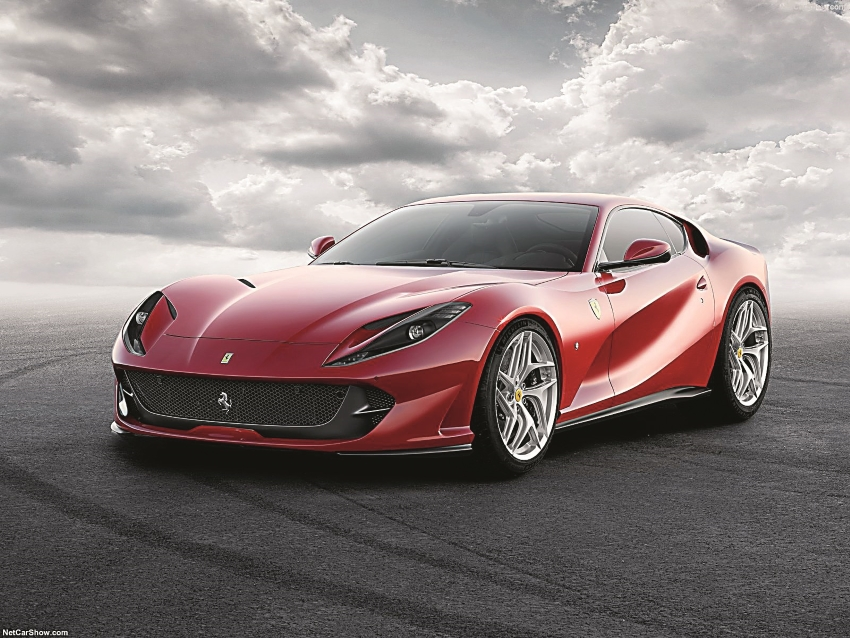 Ferrari-812_Superfast-2018-1600-01