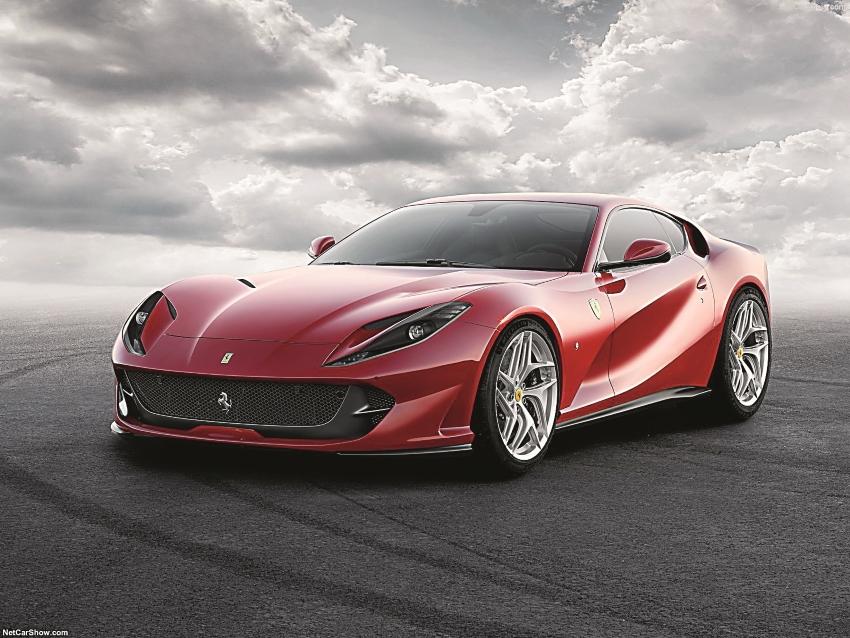 Ferrari-812_Superfast-2018-1600-01