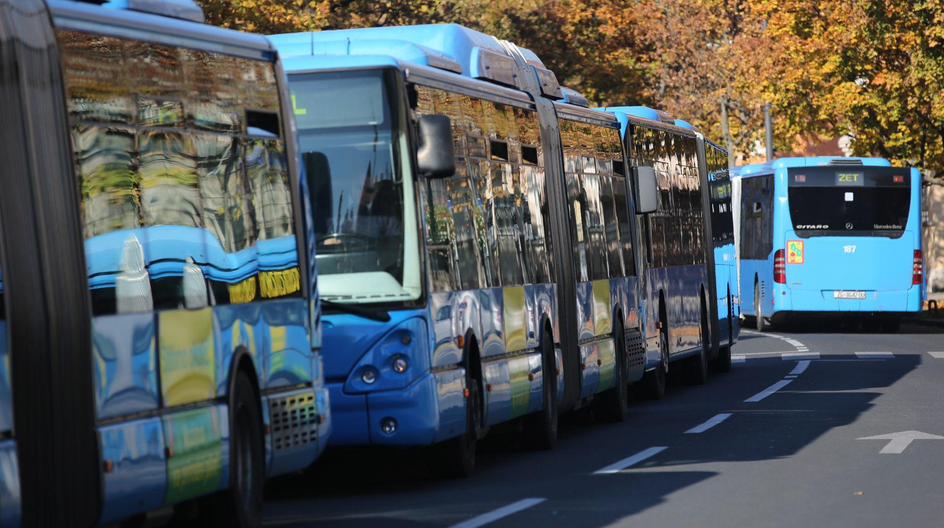 INCIDENT NA MAKSIMIRU Pijani mladić oštetio autobus pa teško ozlijedio vozača