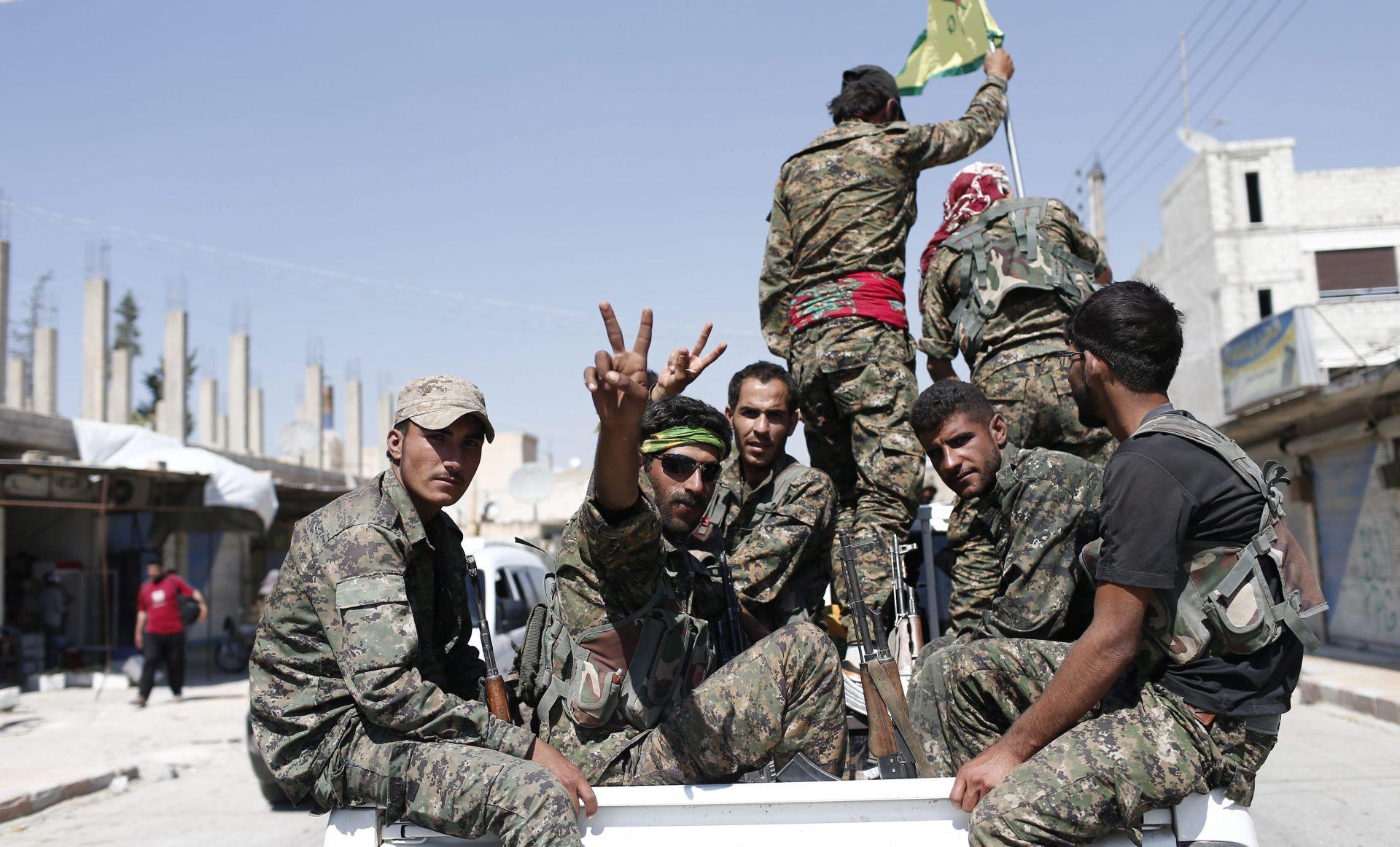 Amerika naoružava Kurde u bitci za Raqqu