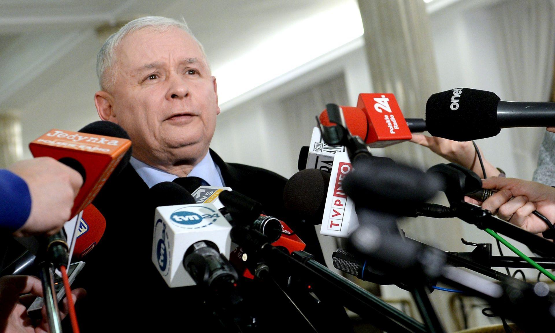 Kaczynski kaže da s Tuskom EU riskira težu krizu