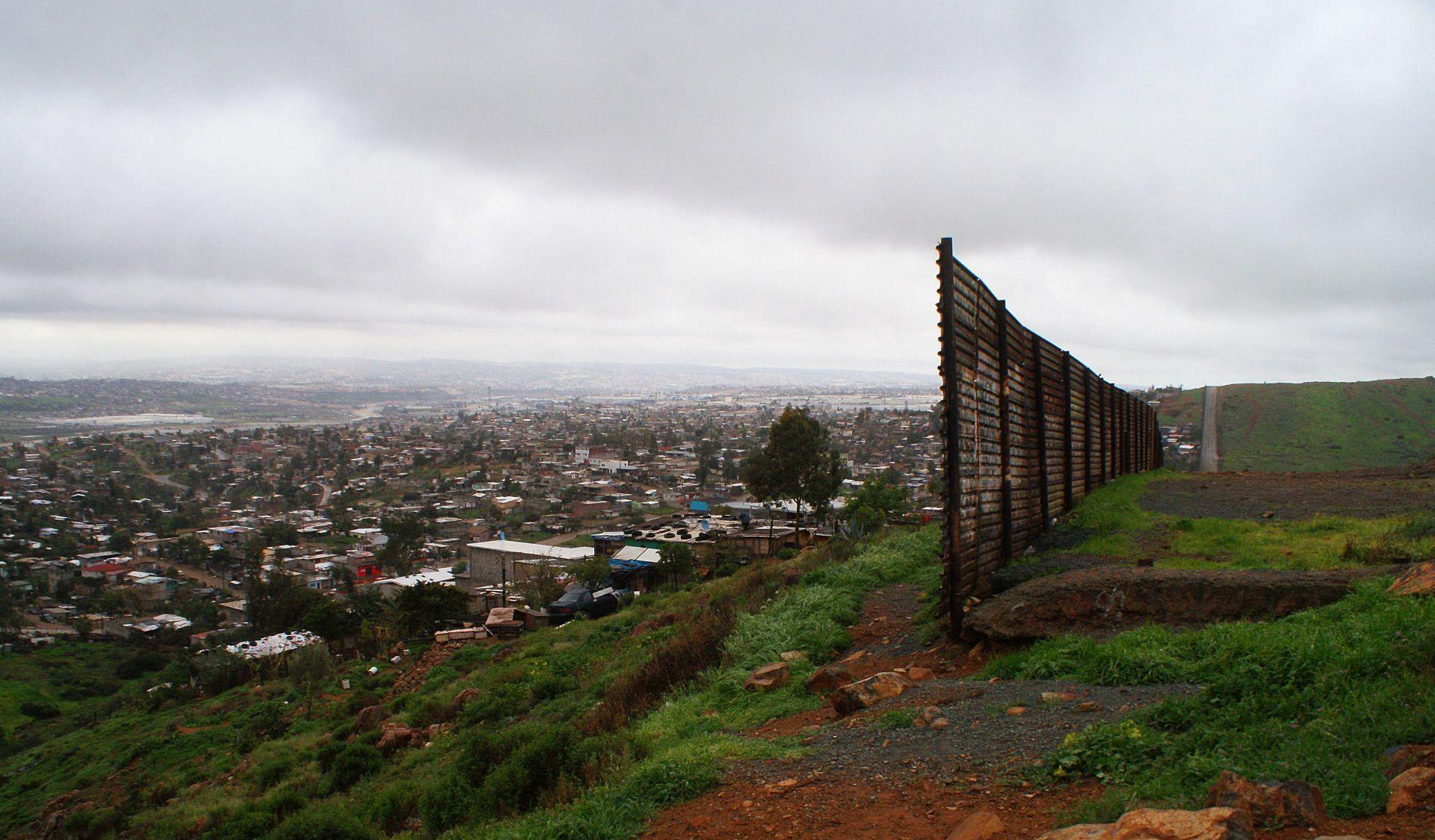 Američko ministarstvo raspisalo natječaj za zid s Meksikom