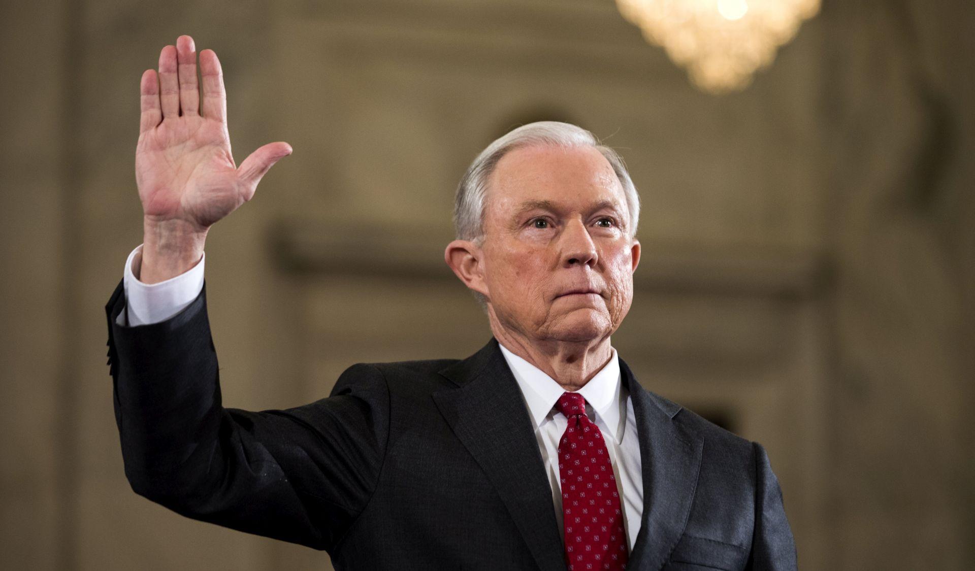 WASHINGTON POST Američki ministar pravosuđa nije otkrio svoje kontakte s Rusima