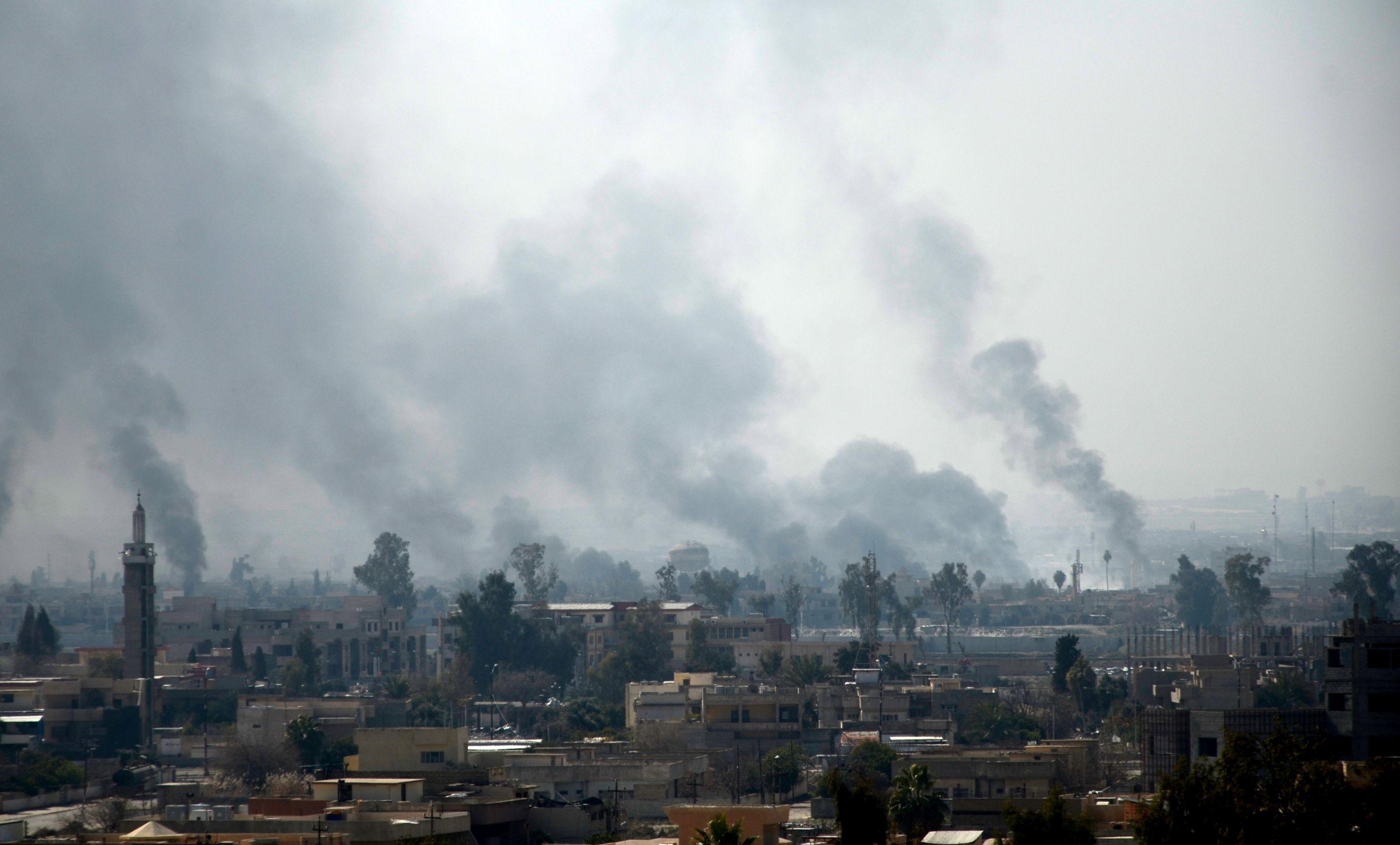 Iračke snage pauziraju u Mosulu zbog civilnih žrtava