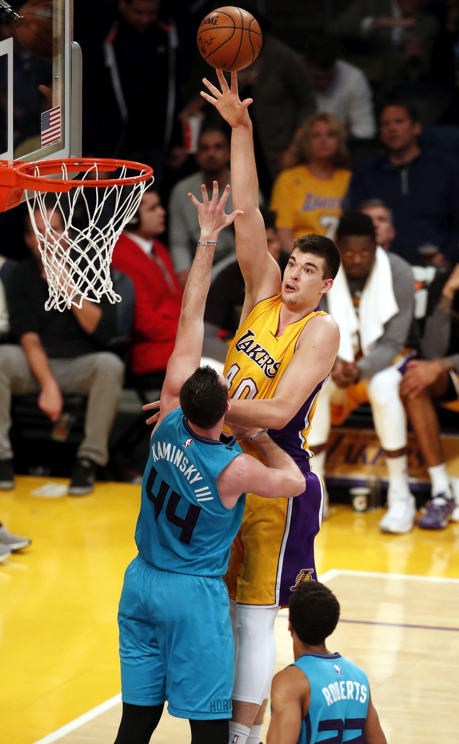 VIDEO: NBA Zubac 10 koševa, Lakersi poraženi od Clevelanda