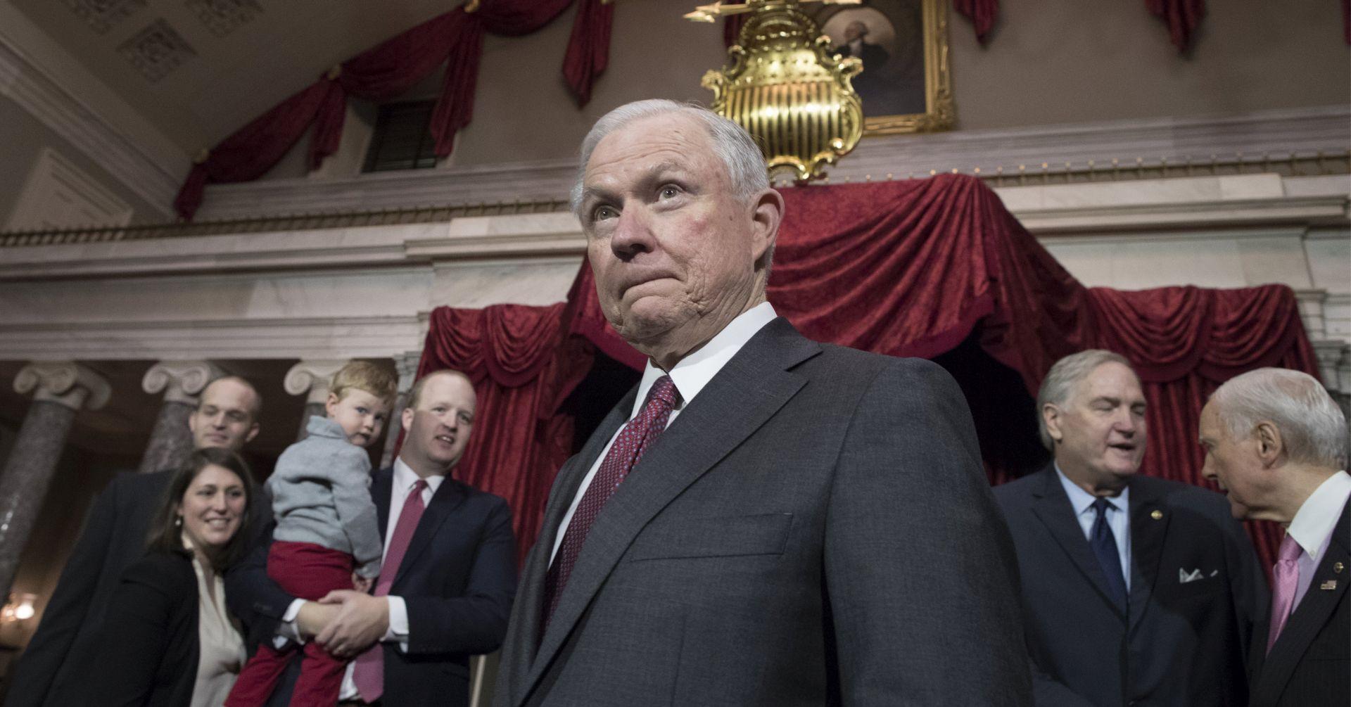 """TRUMP """"Sessions je mogao odgovoriti točnije, ali nije kriv"""""""