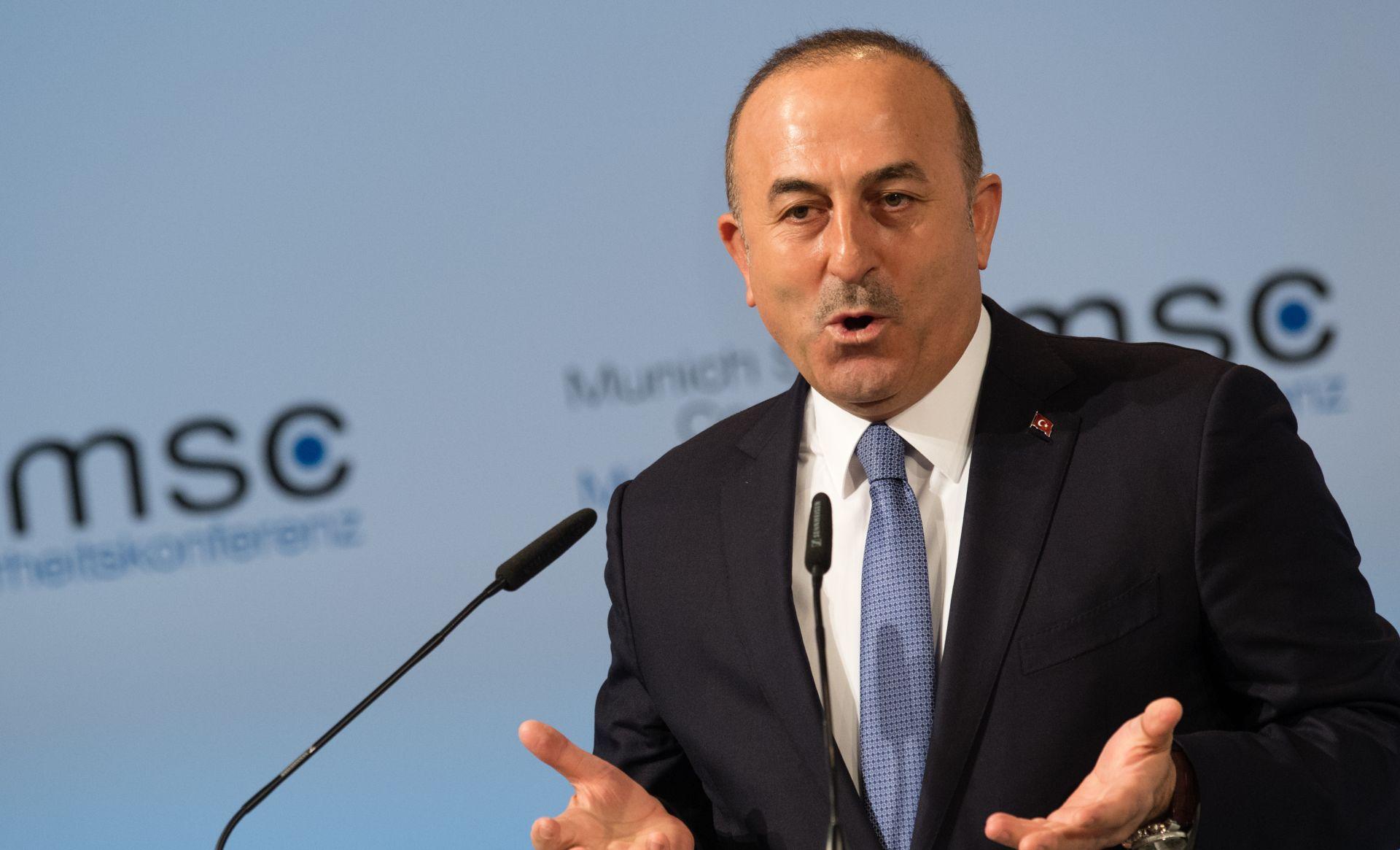 Turska tvrdi da su SAD izolirane oko Jeruzalema i osuđuje prijetnje