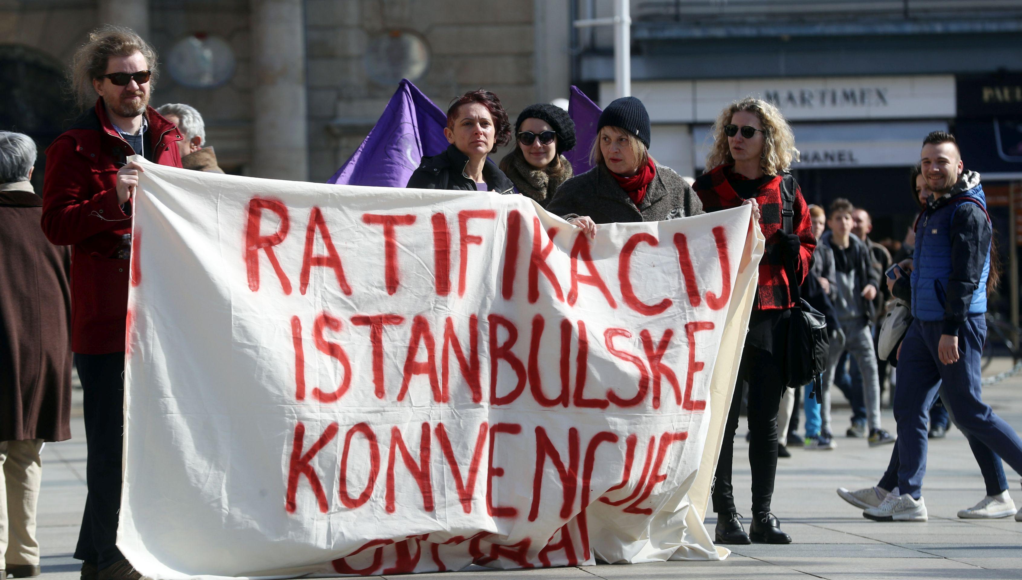 Protestna akcija 'Žene protiv bijede'