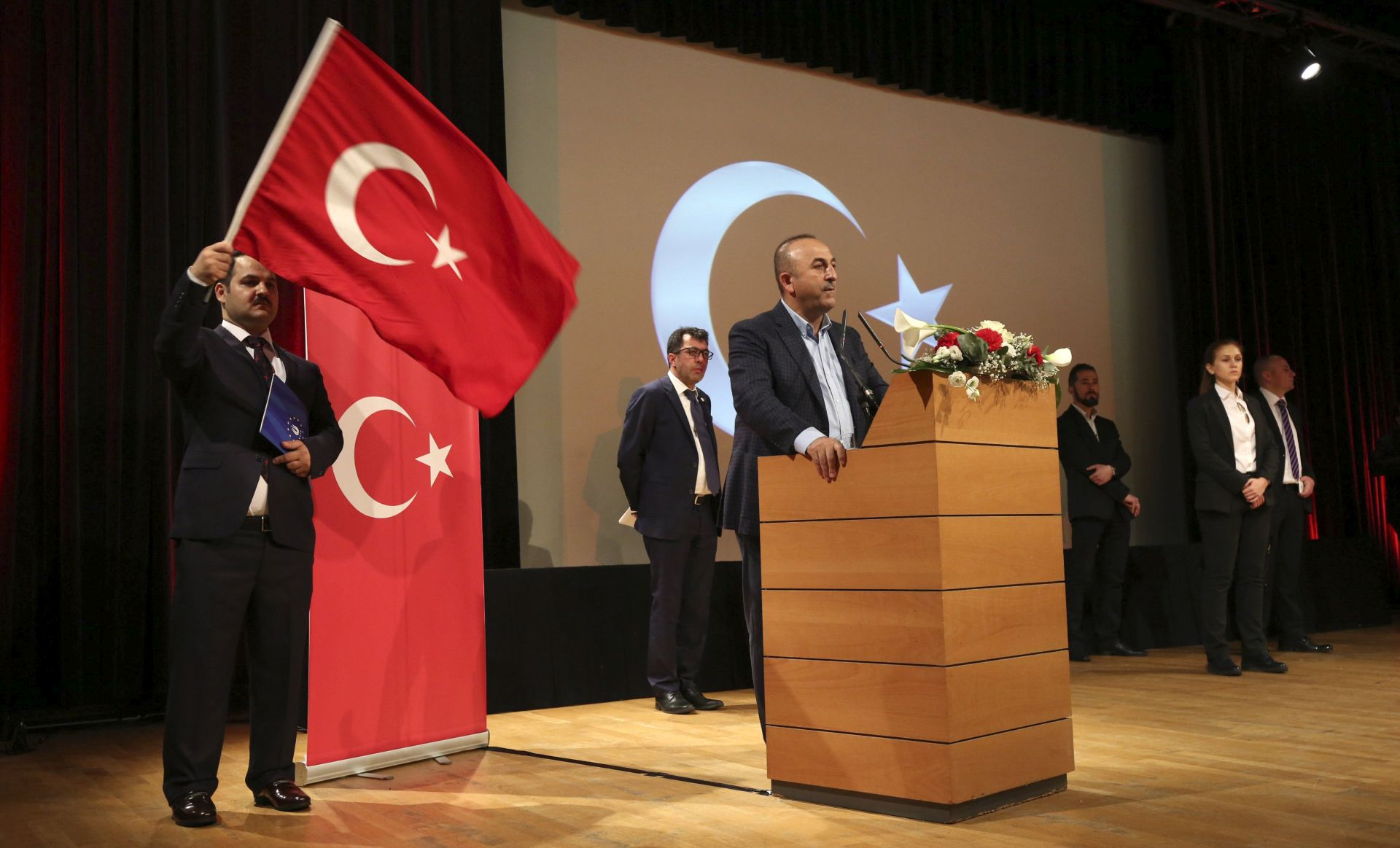 Turska smatra da EU da provodi selektivnu demokraciju
